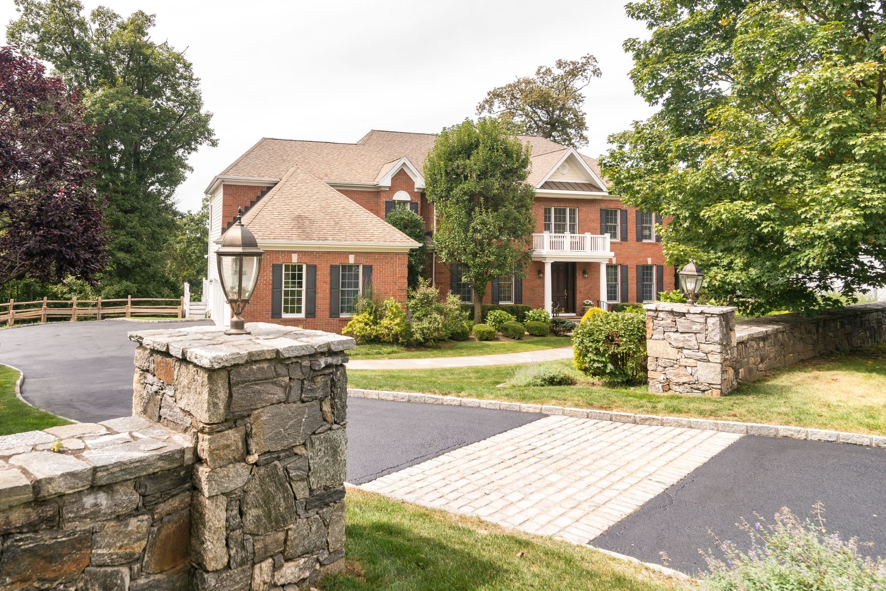 Single Family Homes for Sale at Spectacular Hudson Views 3 Westview Circle Sleepy Hollow, New York 10591 United States