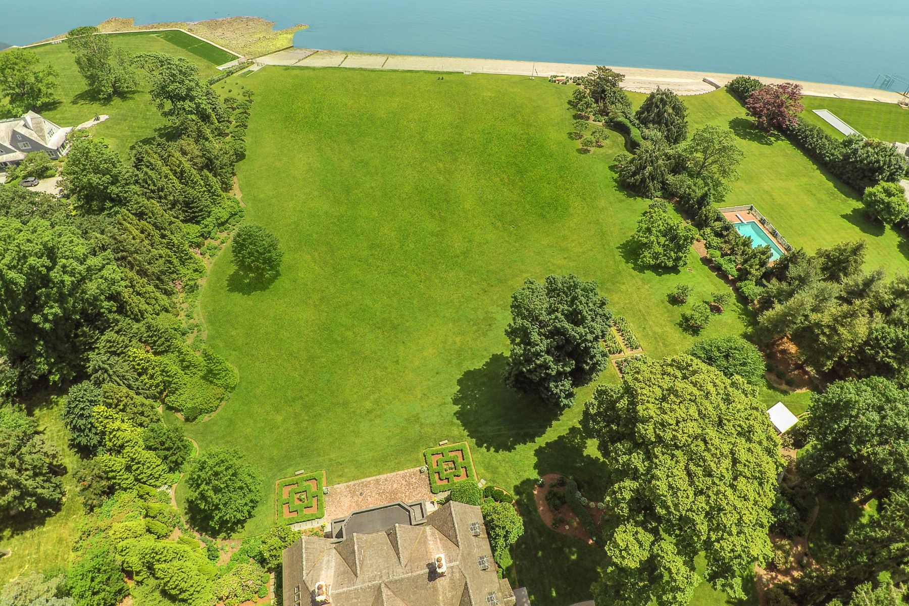 Additional photo for property listing at Westport 3-Lot Waterfront Estate 112-116 Beachside Avenue, Westport, Connecticut 06880 Hoa Kỳ