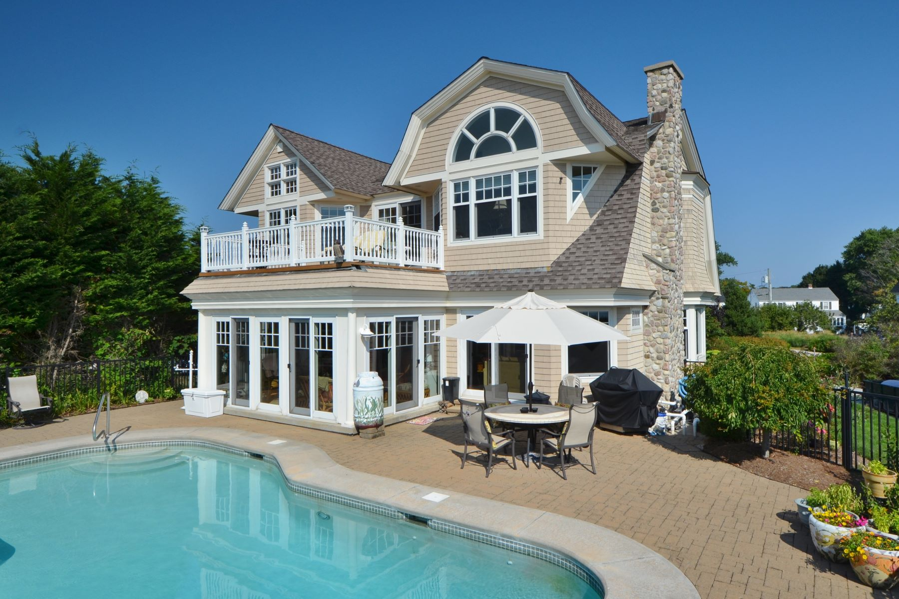 Vivienda unifamiliar por un Venta en Luxuriate in This Coastal Masterpiece 10 Billow Rd, Old Saybrook, Connecticut, 06475 Estados Unidos