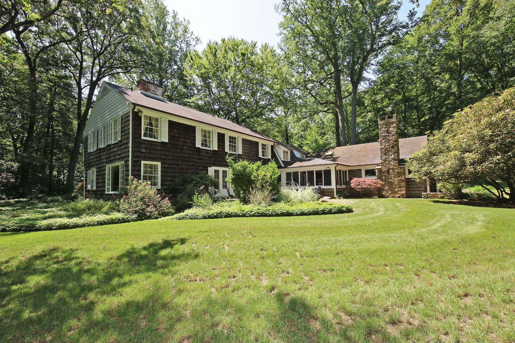 Single Family Home for Sale at LOWER EASTON RETREAT 25 Lantern Hill Road Easton, Connecticut 06612 United States