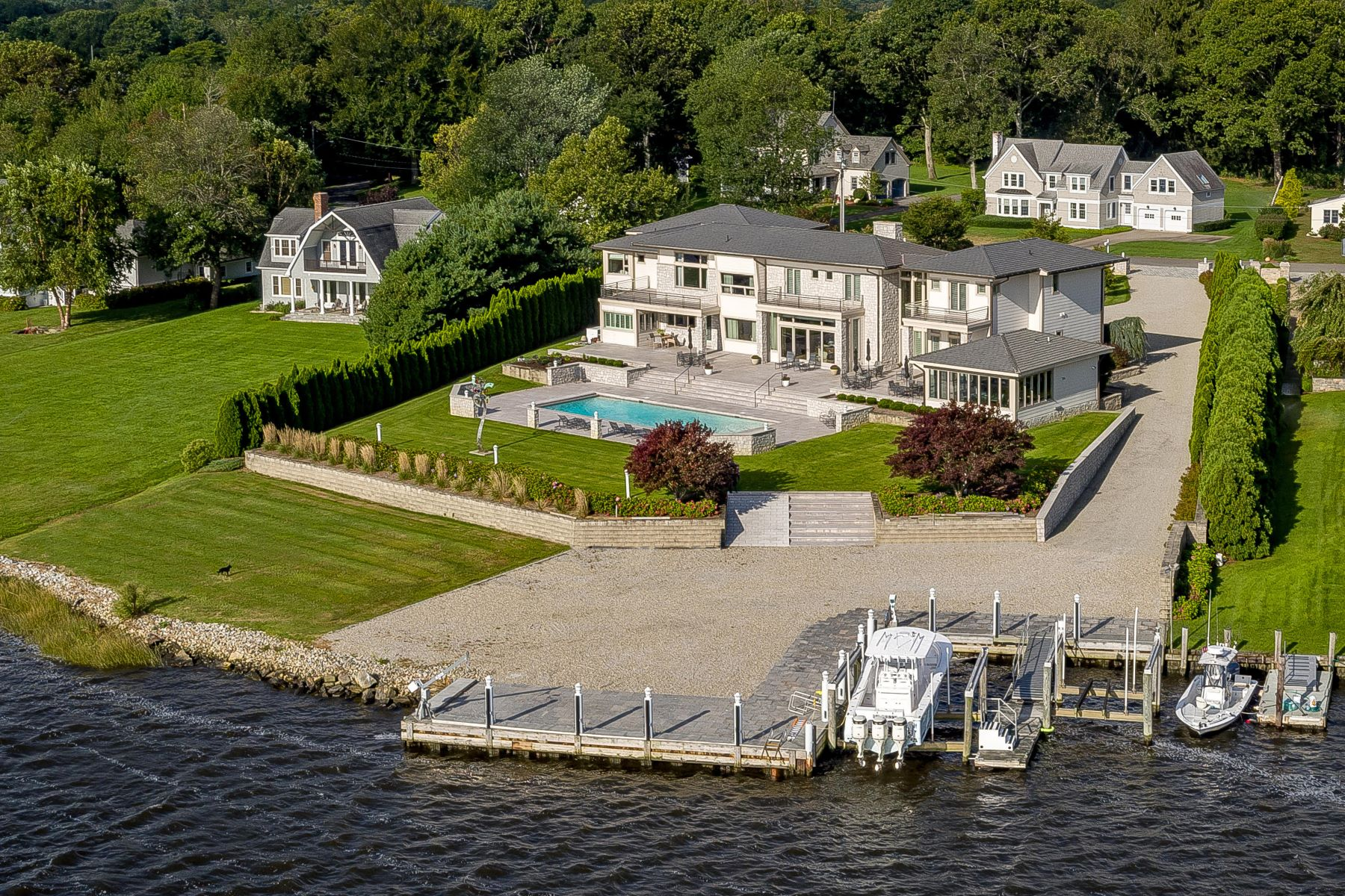 single family homes voor Verkoop op Unique Waterfront Home 20 Saltus Drive, Old Saybrook, Connecticut 06475 Verenigde Staten
