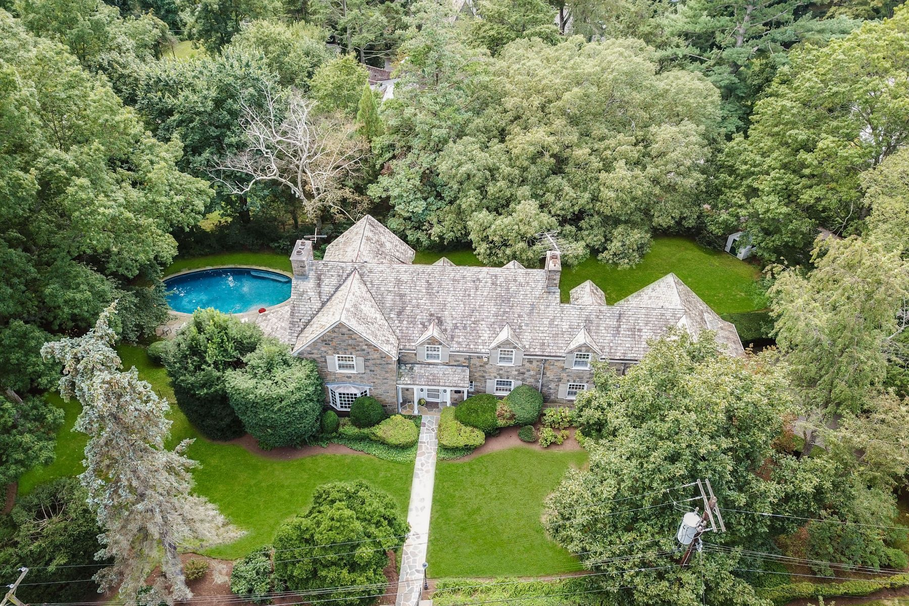 Single Family Homes for Sale at 26 Bonnie Briar Lane Larchmont, New York 10538 United States