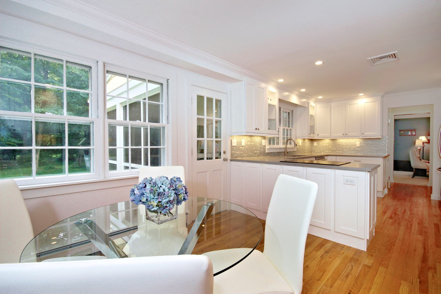 Single Family Homes for Sale at Great Colonial on One of the Most Coveted Streets in Lower Weston 33 Norfield Rd Weston, Connecticut 06883 United States