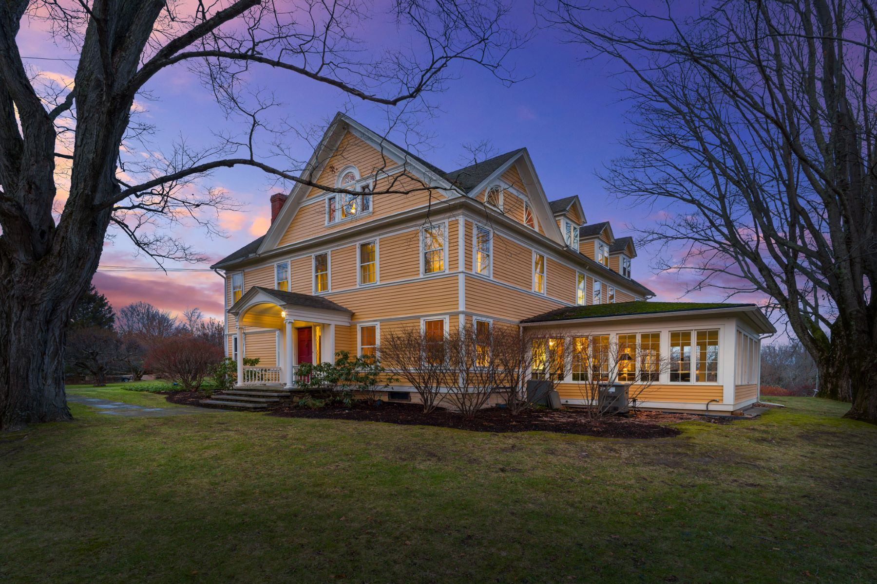 Single Family Homes for Sale at WARM AND GRACIOUS COUNTRY HOME 547 Under Mountain Road, Salisbury, Connecticut 06068 United States