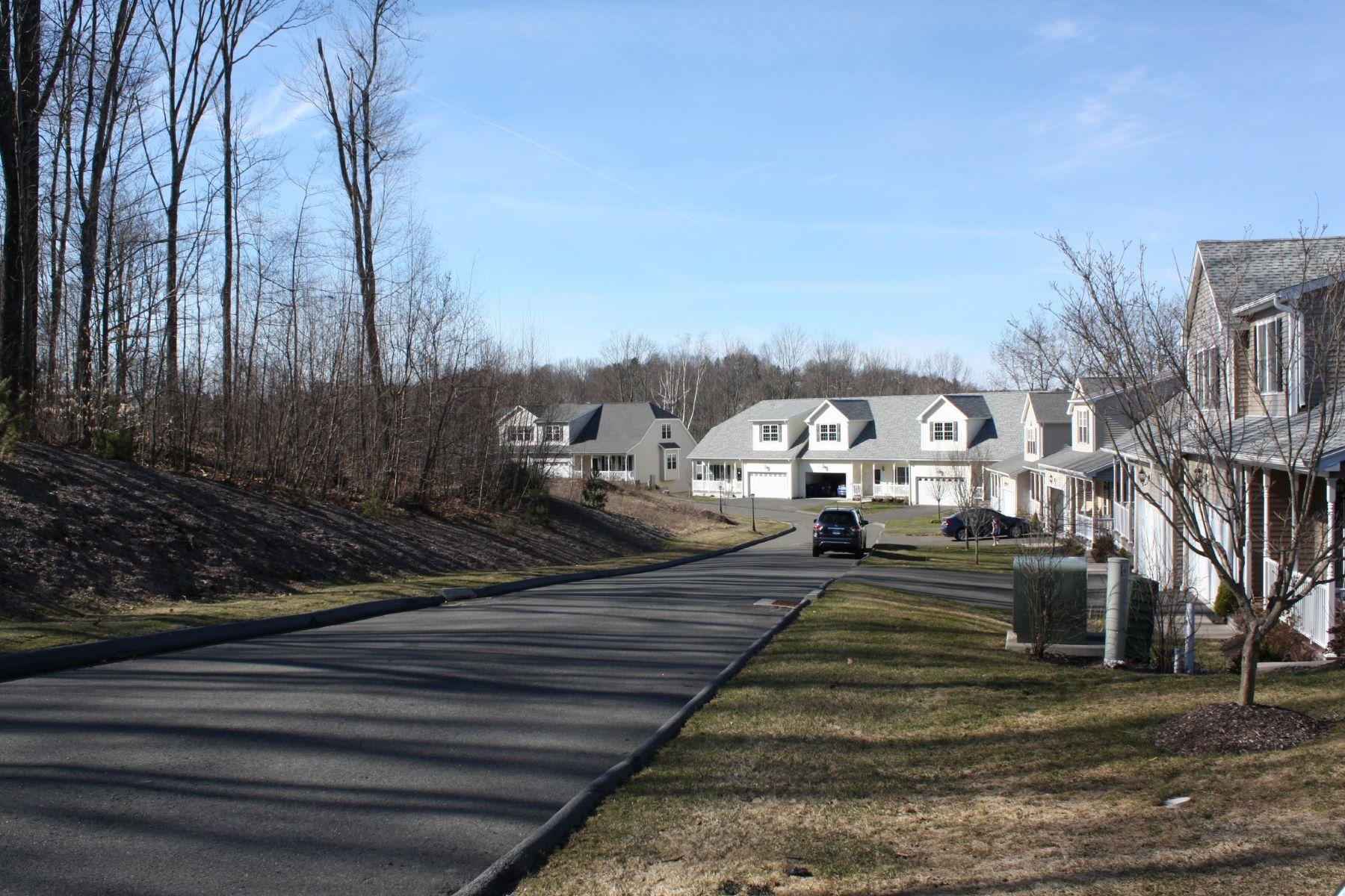 Condominiums voor Verkoop op Oak Meadow Estates 187 Oak Meadow Lane H15, Harwinton, Connecticut 06791 Verenigde Staten