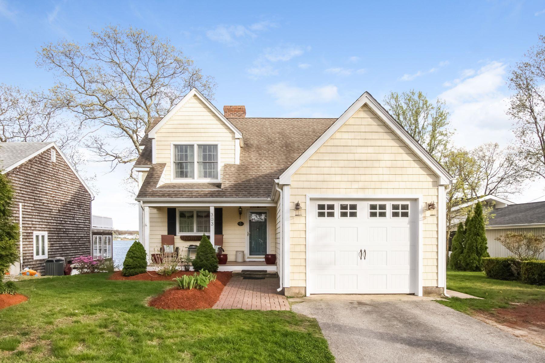 단독 가정 주택 용 매매 에 Waterfront Gem 303 Millstone Rd Waterford, 코네티컷, 06385 미국