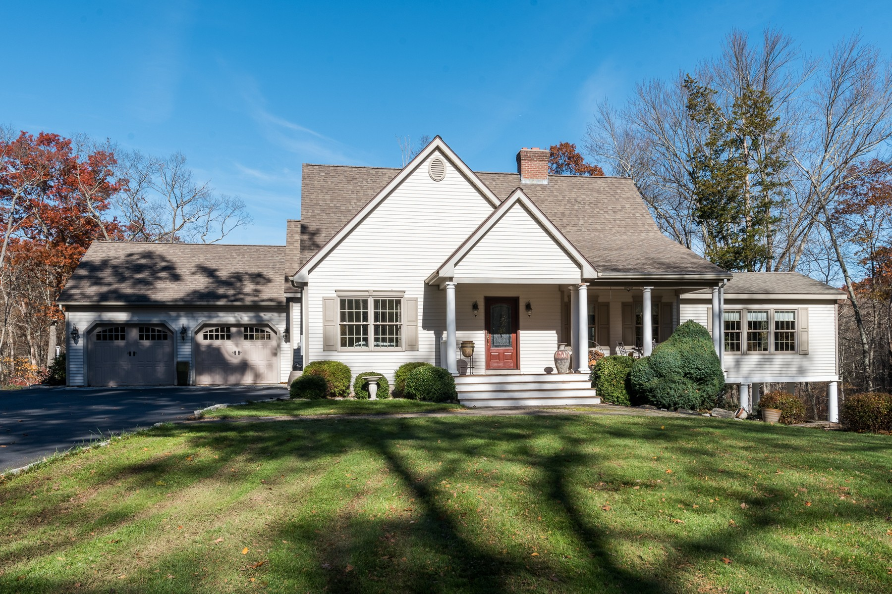 Eensgezinswoning voor Verkoop op Impeccable and Immaculate Custom Built Home 297 Old Cart Road, Haddam, Connecticut 06438 Verenigde Staten