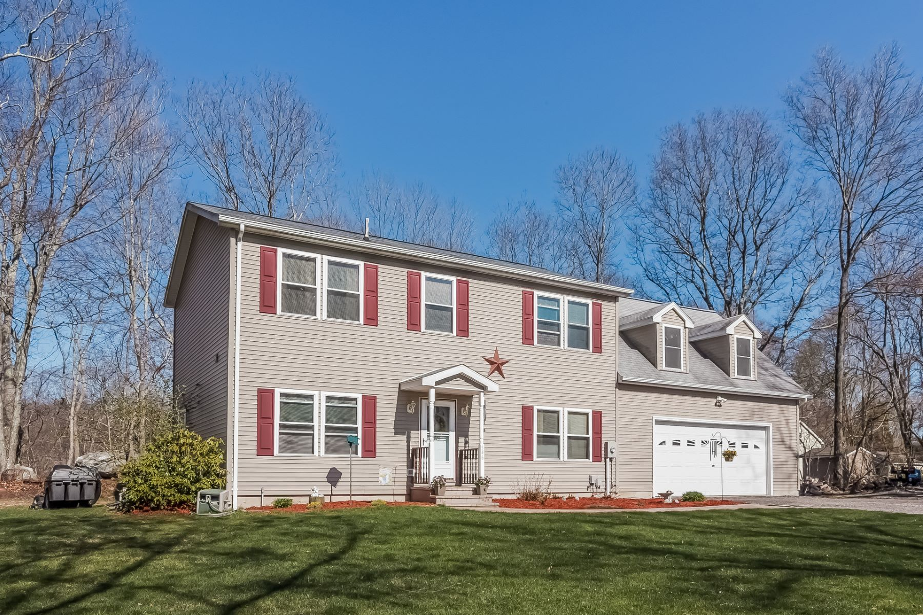Single Family Home for Sale at Private and close to everything 546 Toll Gate Road Groton, Connecticut 06340 United States