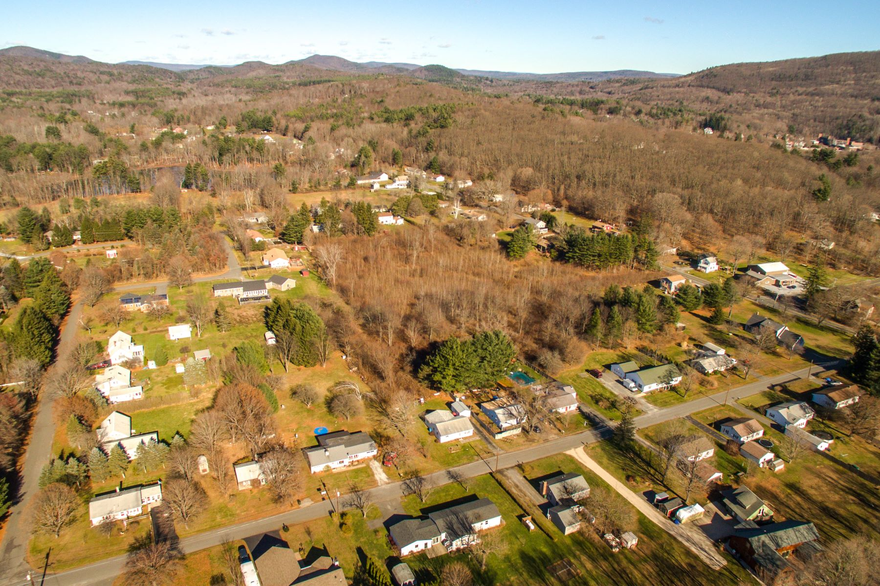 Terreno por un Venta en Unique Residential Development Opportunity 0 North Plain Road Great Barrington, Massachusetts 01230 Estados Unidos