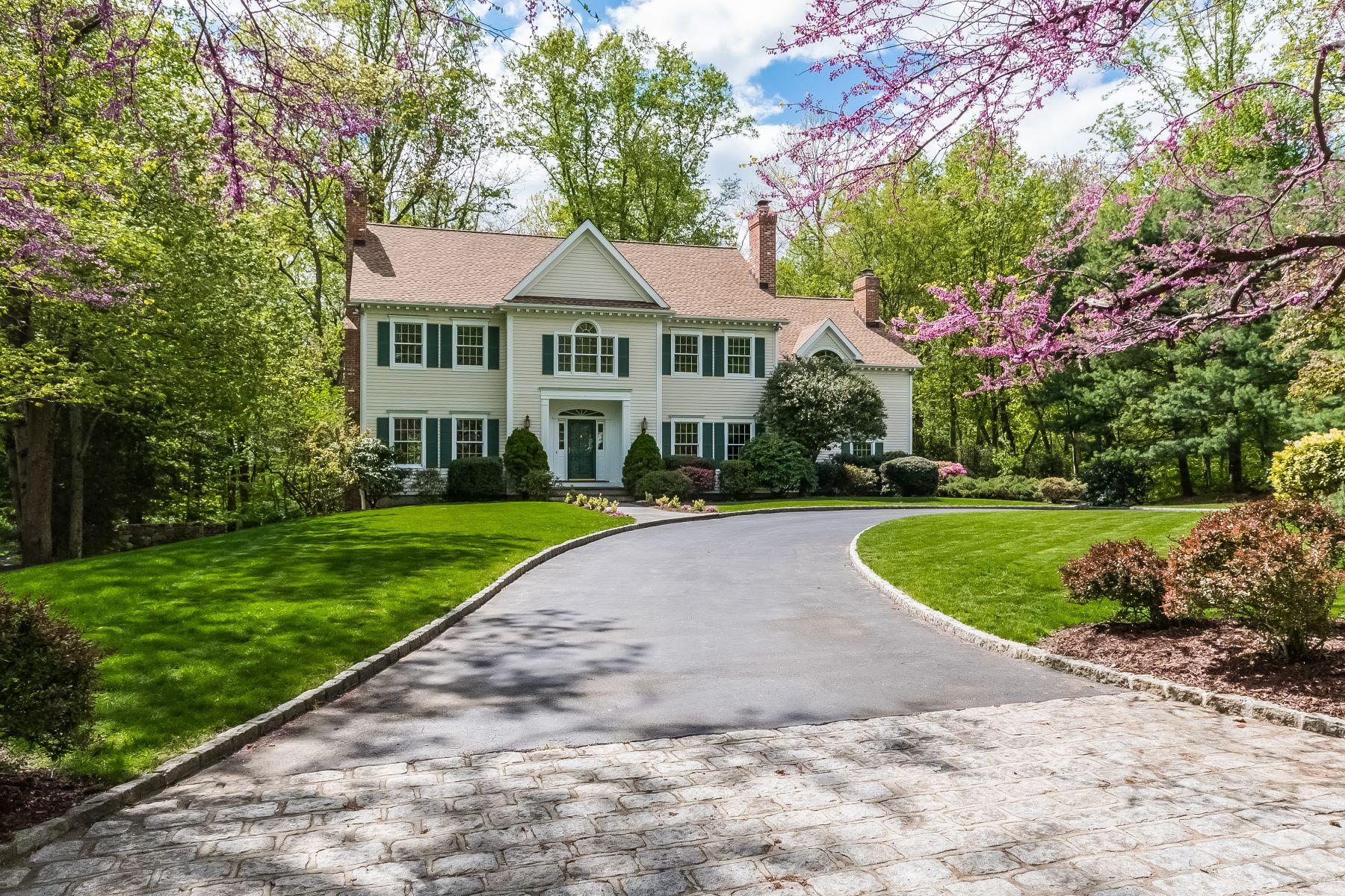 独户住宅 为 销售 在 11 Waterbury Lane 达连湾, 康涅狄格州, 06820 美国