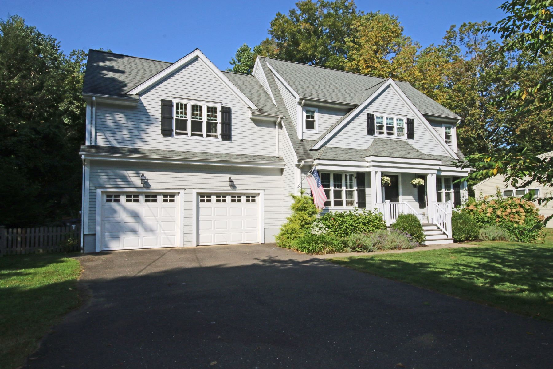 Single Family Home for Sale at WELCOME TO LAKE HILLS 93 Nonopoge Road, Fairfield, Connecticut, 06825 United States