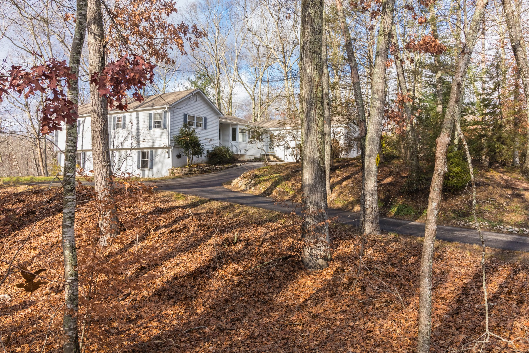 Single Family Home for Sale at Charming Three Bedroom Home 12 Jericho Drive Old Lyme, Connecticut 06371 United States