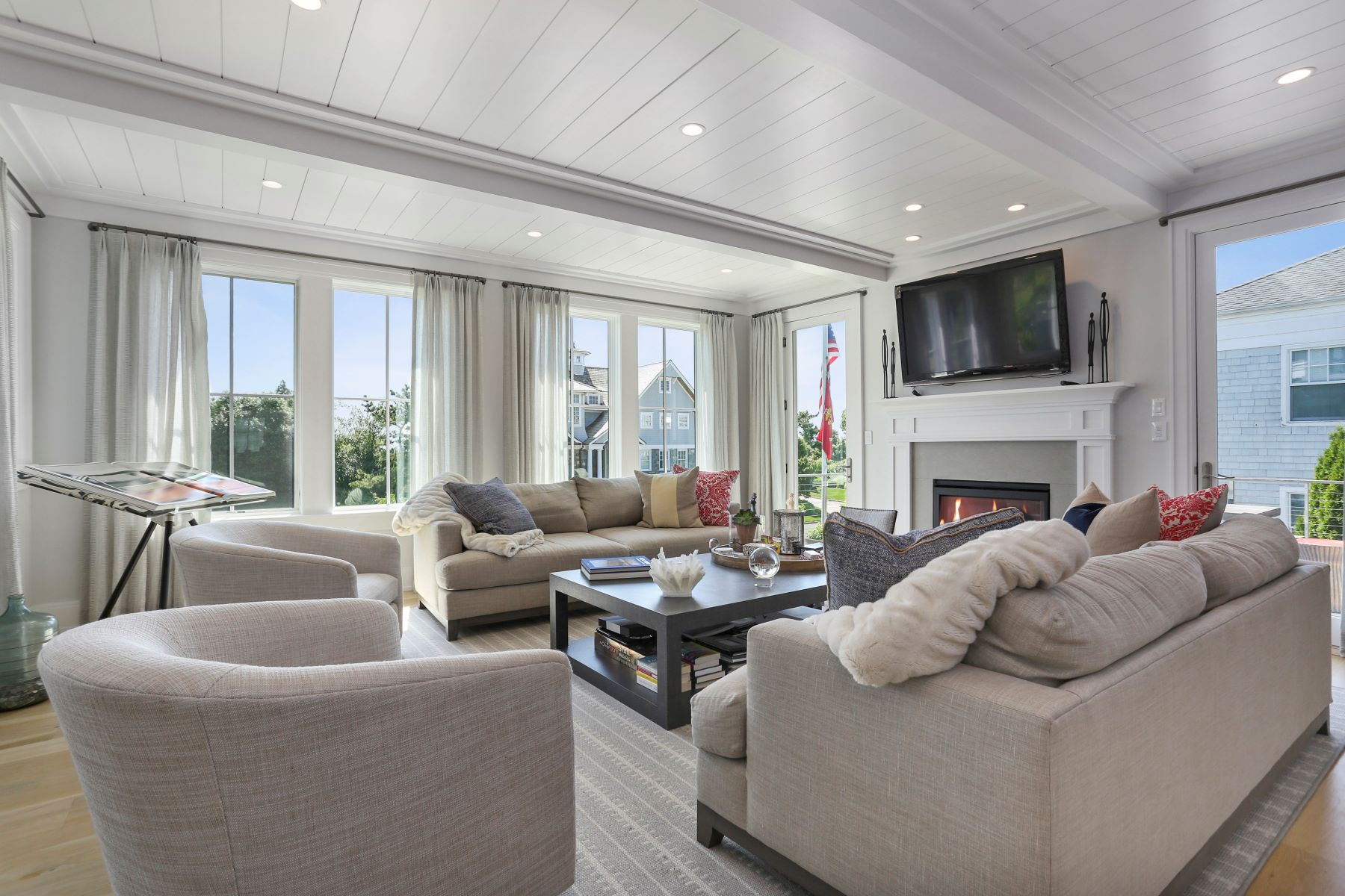 Single Family Homes للـ Sale في Experience Resort Like Living on Saugatuck Island 4 Sandpiper Road, Westport, Connecticut 06880 United States