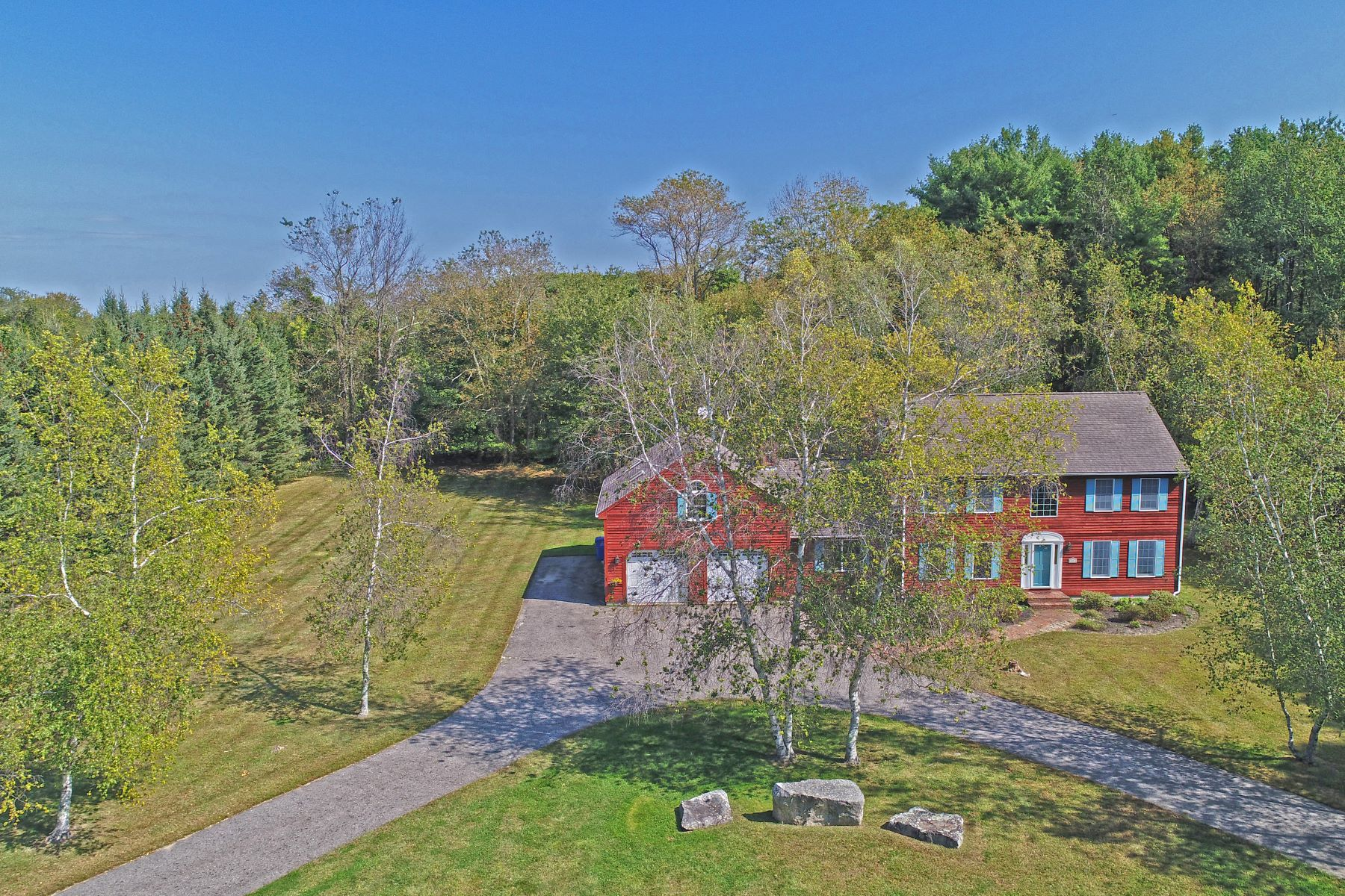 Single Family Home for Sale at Great For Entertaining 11 Spruce Lane, Montville, Connecticut, 06370 United States