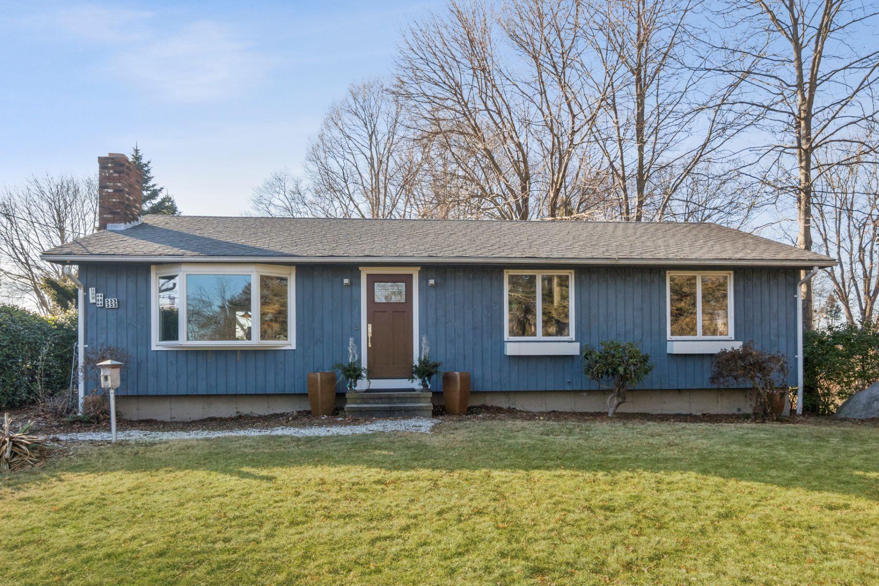 Single Family Homes por un Venta en 143 Beach Park Road 143 Beach Park Rd Clinton, Connecticut 06413 Estados Unidos
