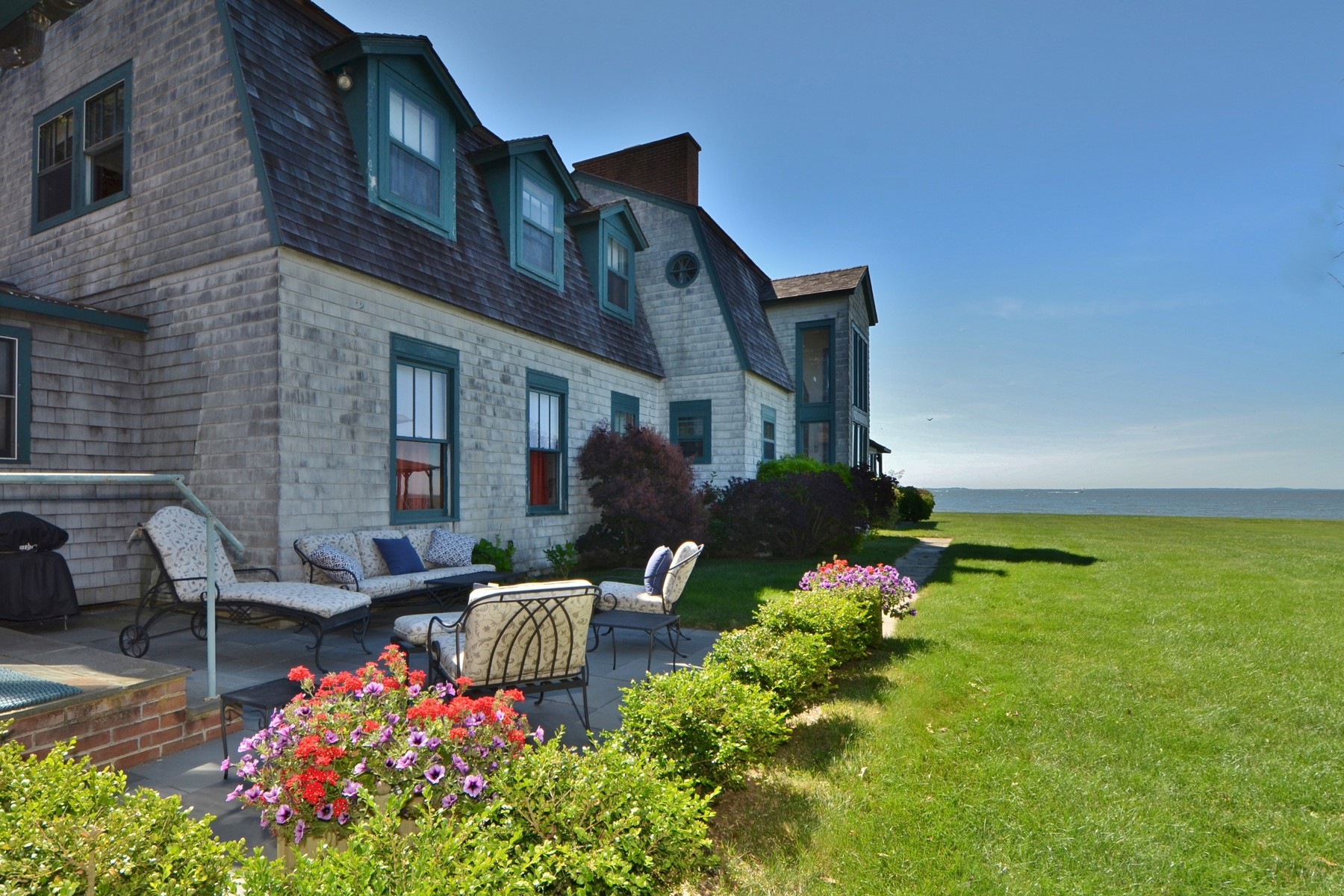 Single Family Homes for Sale at Beautiful, Classic, Waterfront Fenwick Home 25 Pettipaug Avenue Old Saybrook, Connecticut 06475 United States
