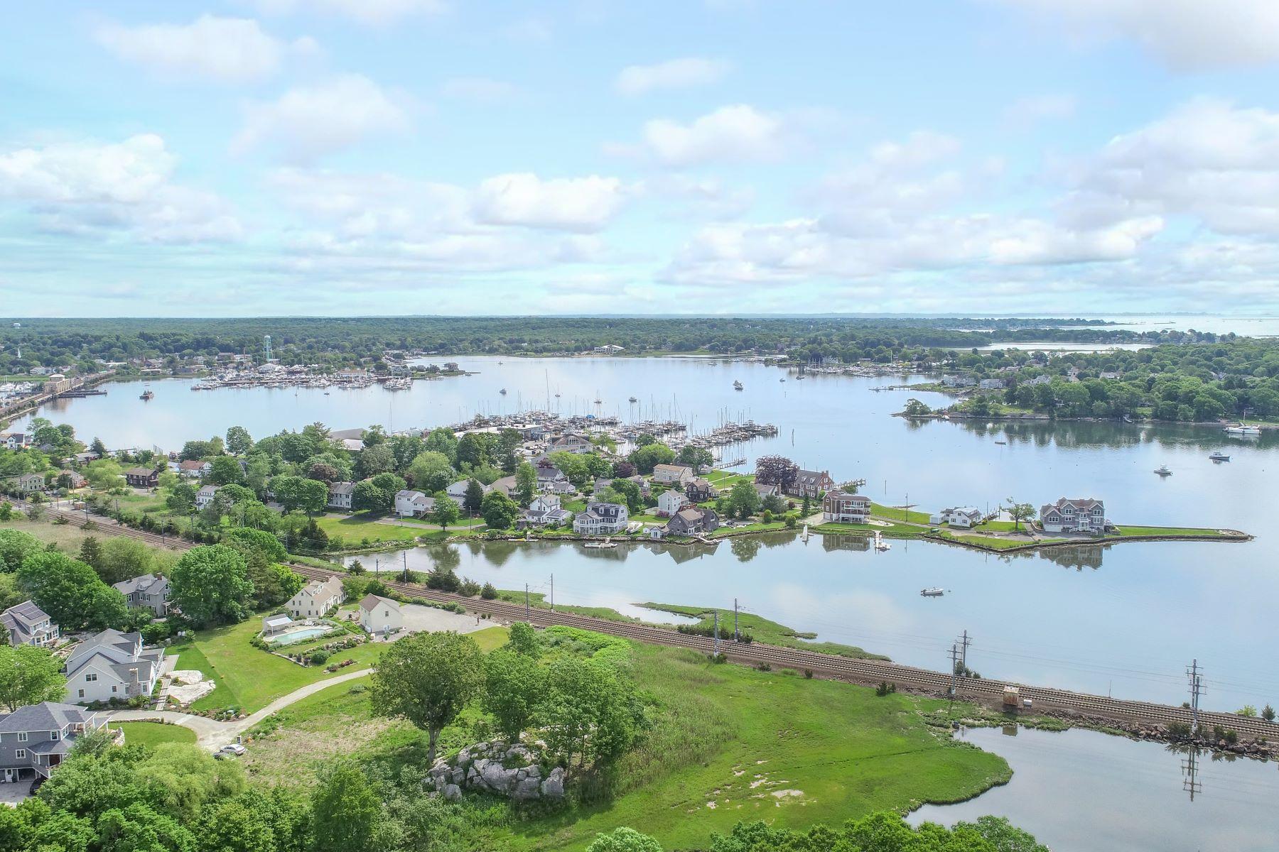 土地,用地 为 销售 在 504 Noank Road 格罗顿, 康涅狄格州 06340 美国