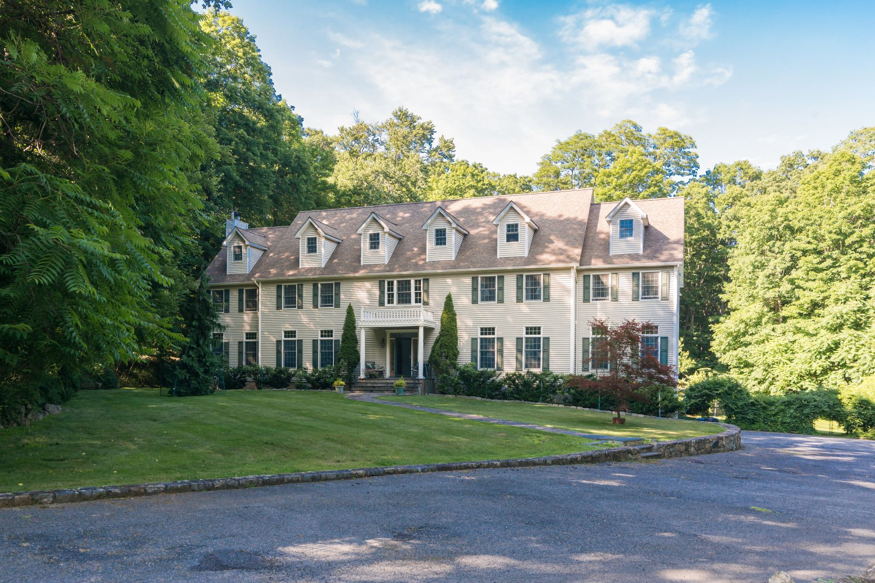 Single Family Home for Sale at 23 Sunderland Lane 23 Sunderland Lane Katonah, New York 10536 United States
