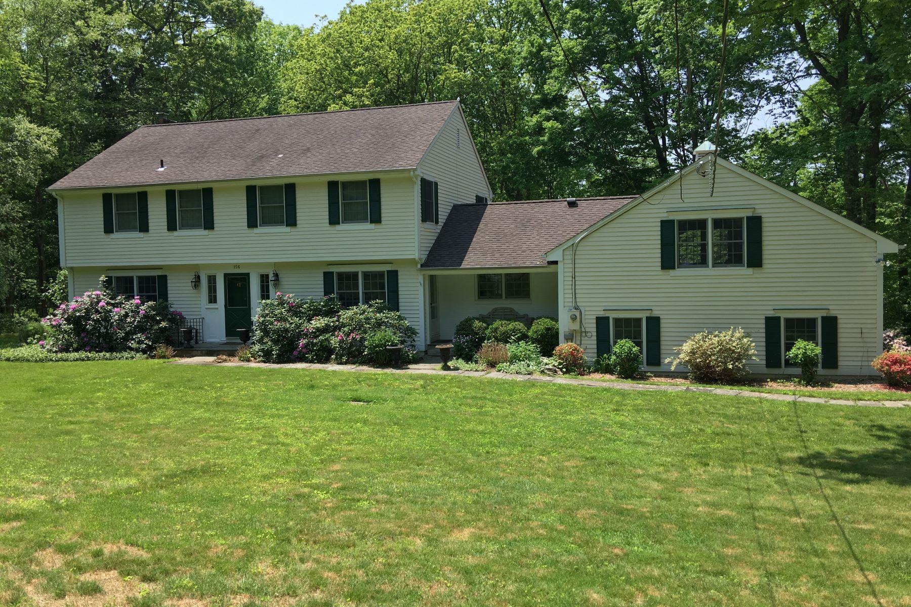 Частный односемейный дом для того Продажа на Center Hall Colonial 156 Colonial Road, New Canaan, Коннектикут, 06840 Соединенные Штаты