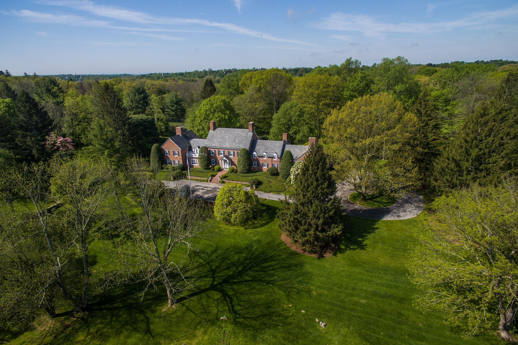 واحد منزل الأسرة للـ Sale في Rosebrook 174 Rosebrook Road, New Canaan, Connecticut, 06840 United States