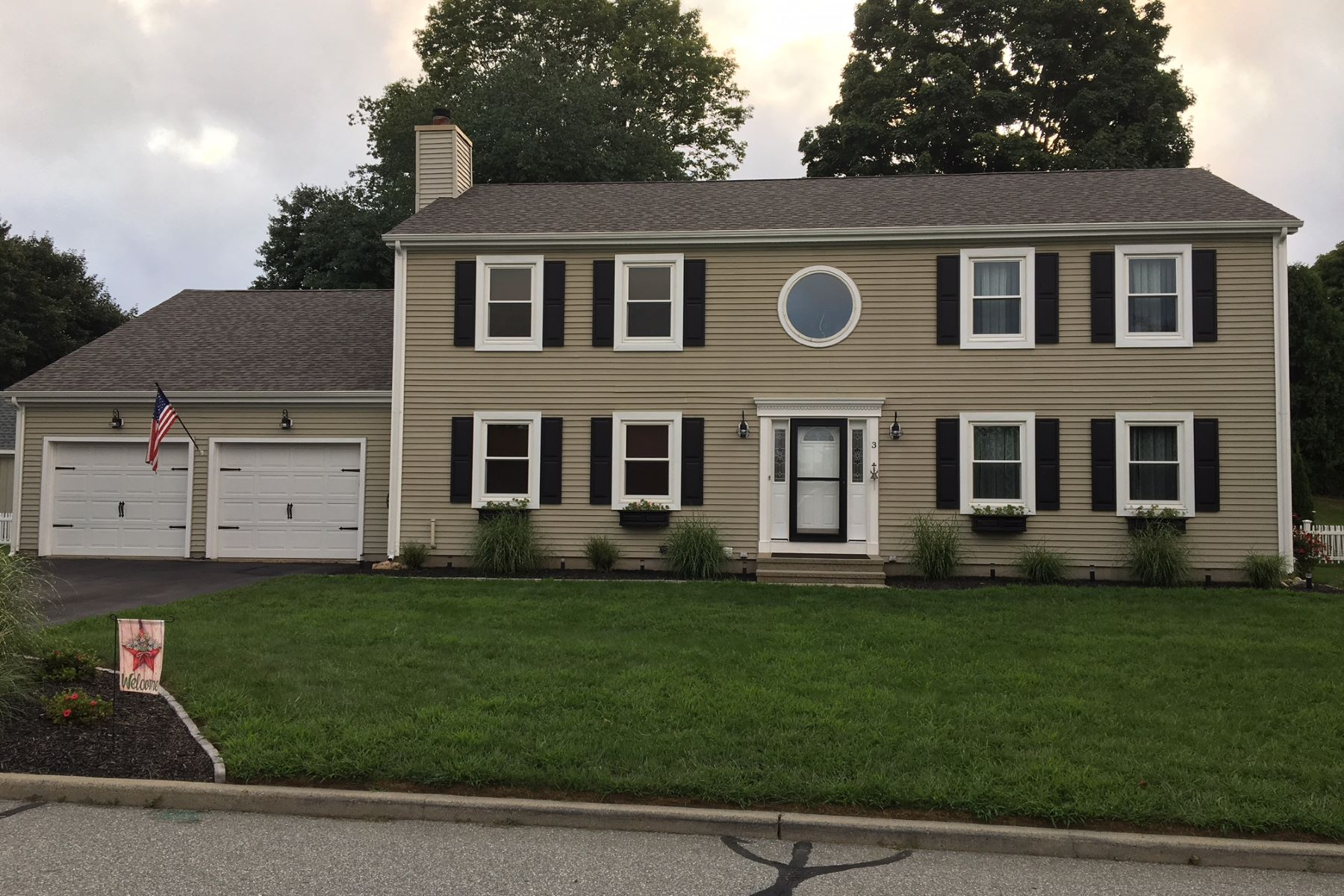 single family homes for Sale at Meticulously Maintained Colonial 3 Melanie Dr, Waterford, Connecticut 06385 United States