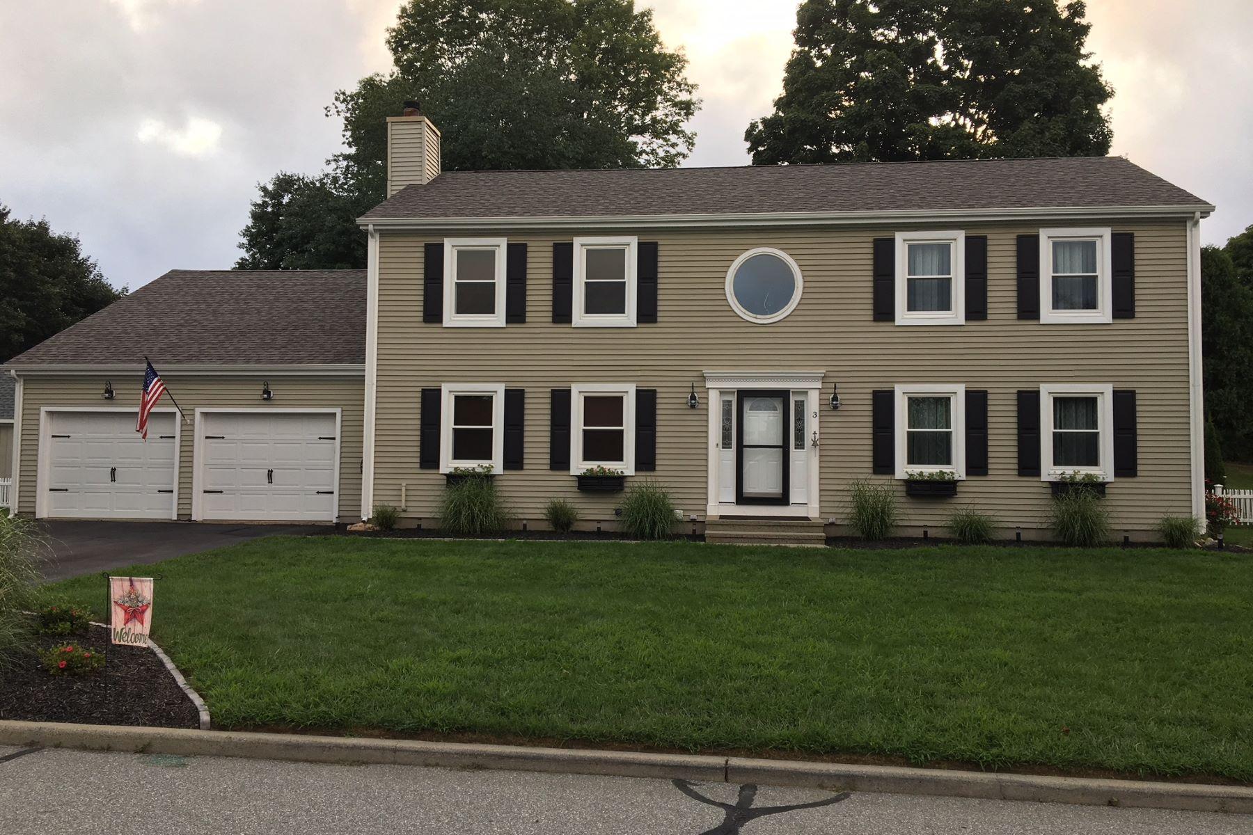 Eensgezinswoning voor Verkoop op Meticulously Maintained Colonial 3 Melanie Drive, Waterford, Connecticut 06385 Verenigde Staten