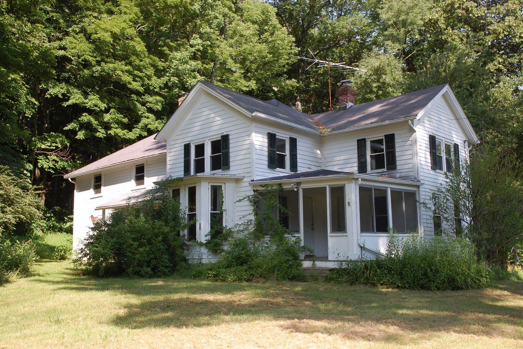 Casa Unifamiliar por un Venta en Charming New England Farmhouse 575 North Undermountain Rd Sheffield, Massachusetts 01257 Estados Unidos