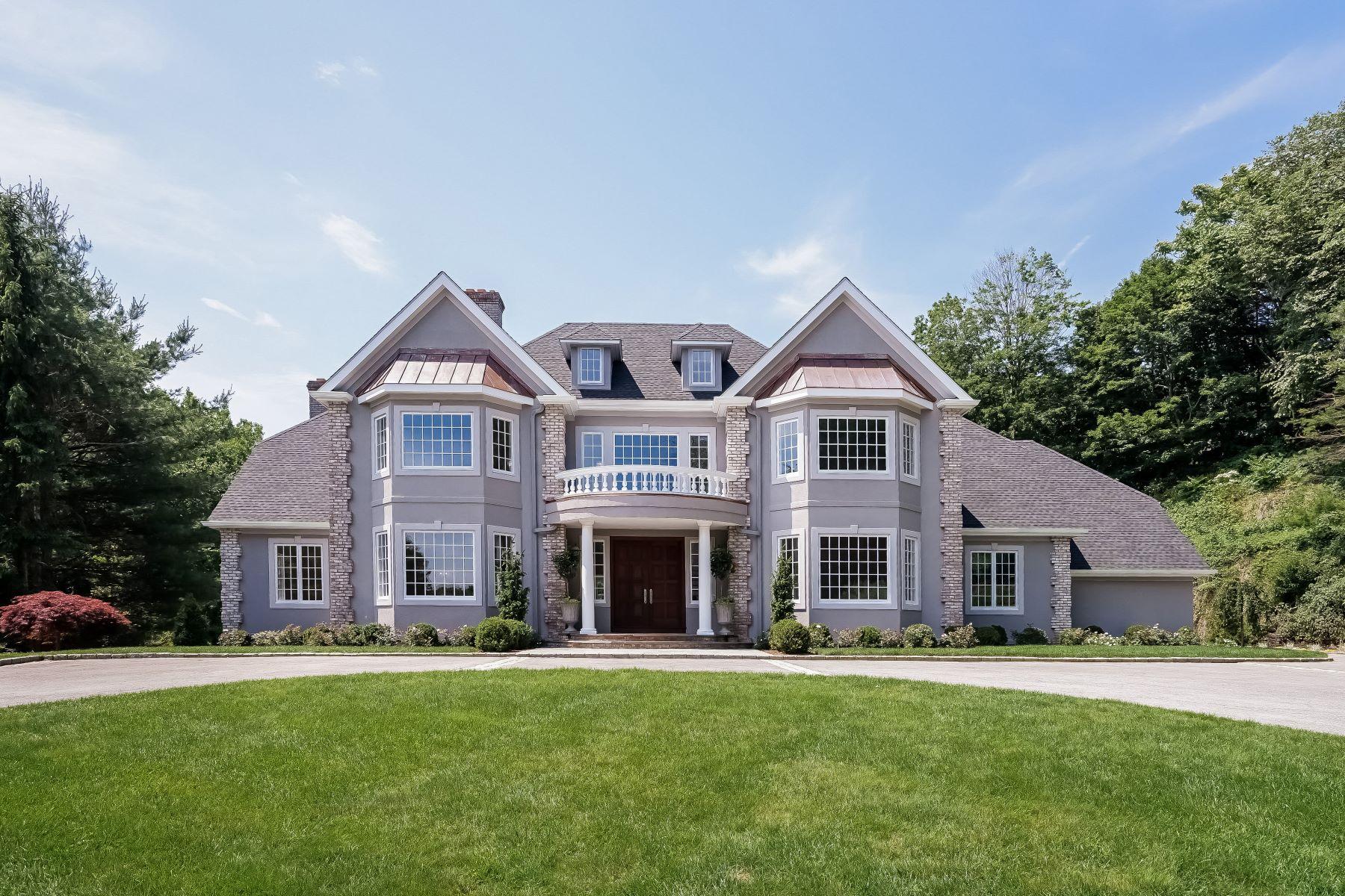 Einfamilienhaus für Verkauf beim 10 Puritan Woods Road Rye, New York, 10580 Vereinigte Staaten