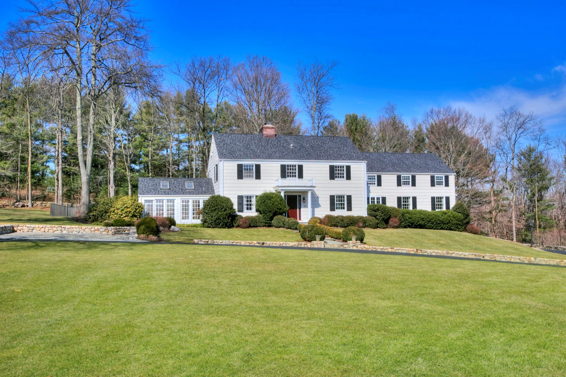Single Family Home for Sale at 221 Canoe Hill Road New Canaan, Connecticut, 06840 United States