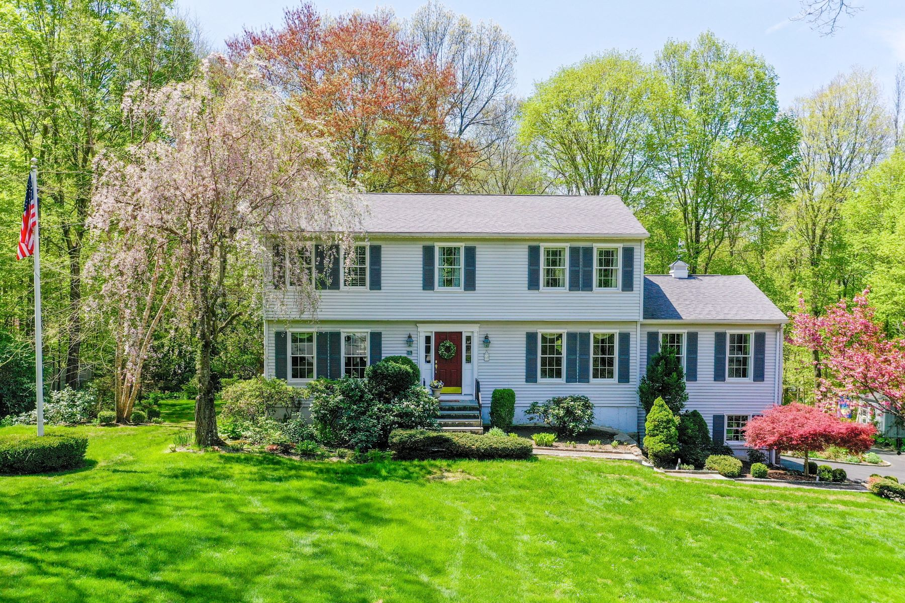 single family homes for Sale at A Lasting Impression 19 Old Hayrake Road, Danbury, Connecticut 06811 United States