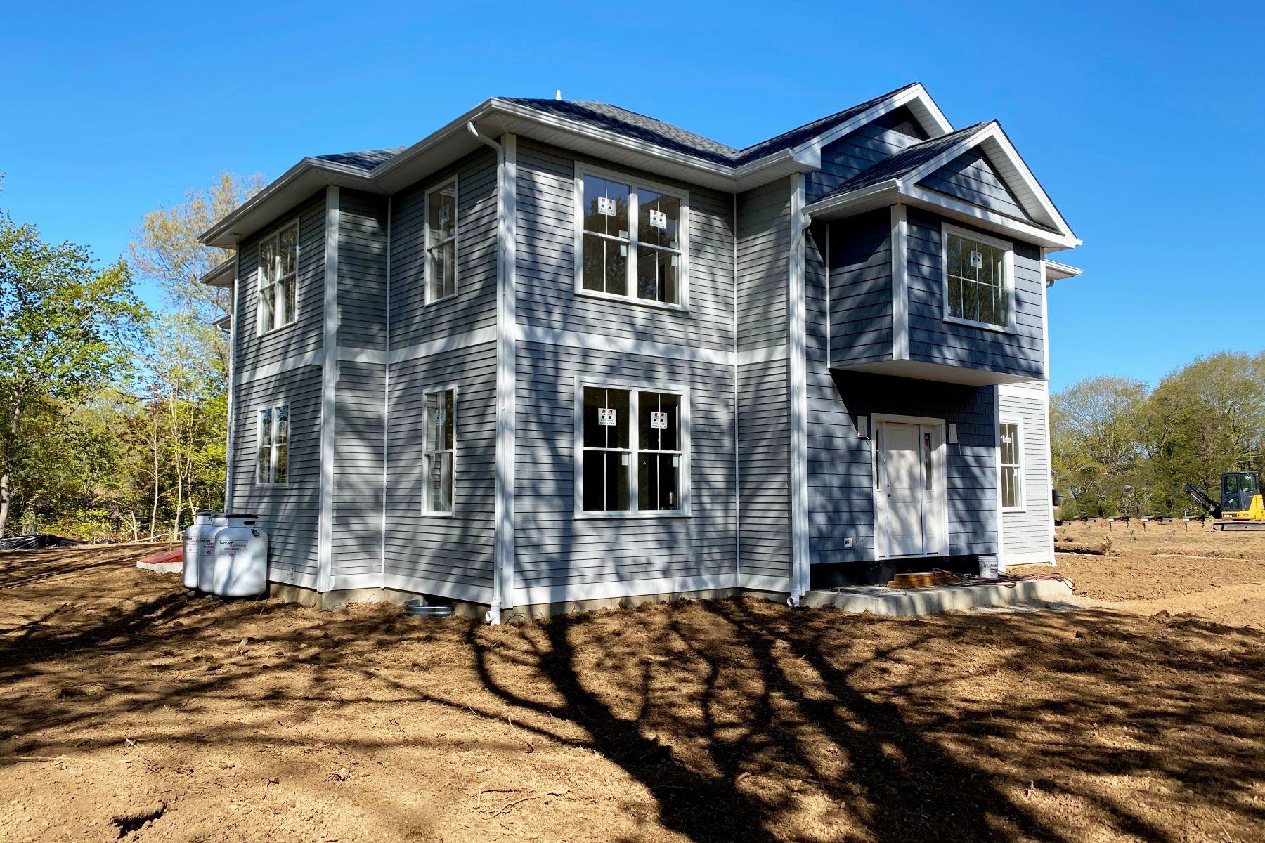 Single Family Homes per Vendita alle ore NEW CONSTRUCTION TO BE BUILT 903 Nut Plains Road, Guilford, Connecticut 06437 Stati Uniti