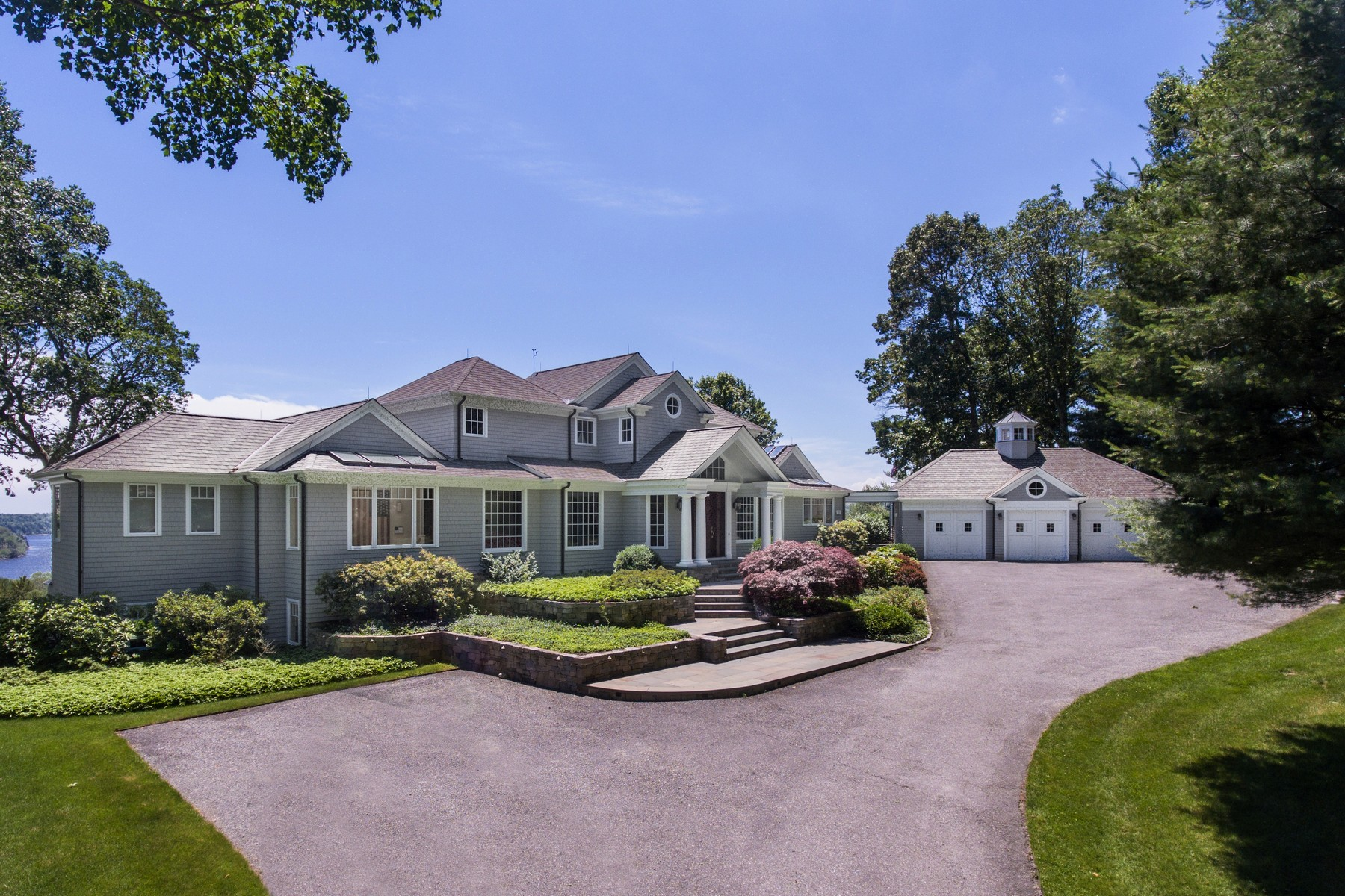 "single family homes voor Verkoop op ""Tree Tops"" A Stunning Colonial with Contemporary Flair 228 Joshuatown Road, Lyme, Connecticut 06371 Verenigde Staten"