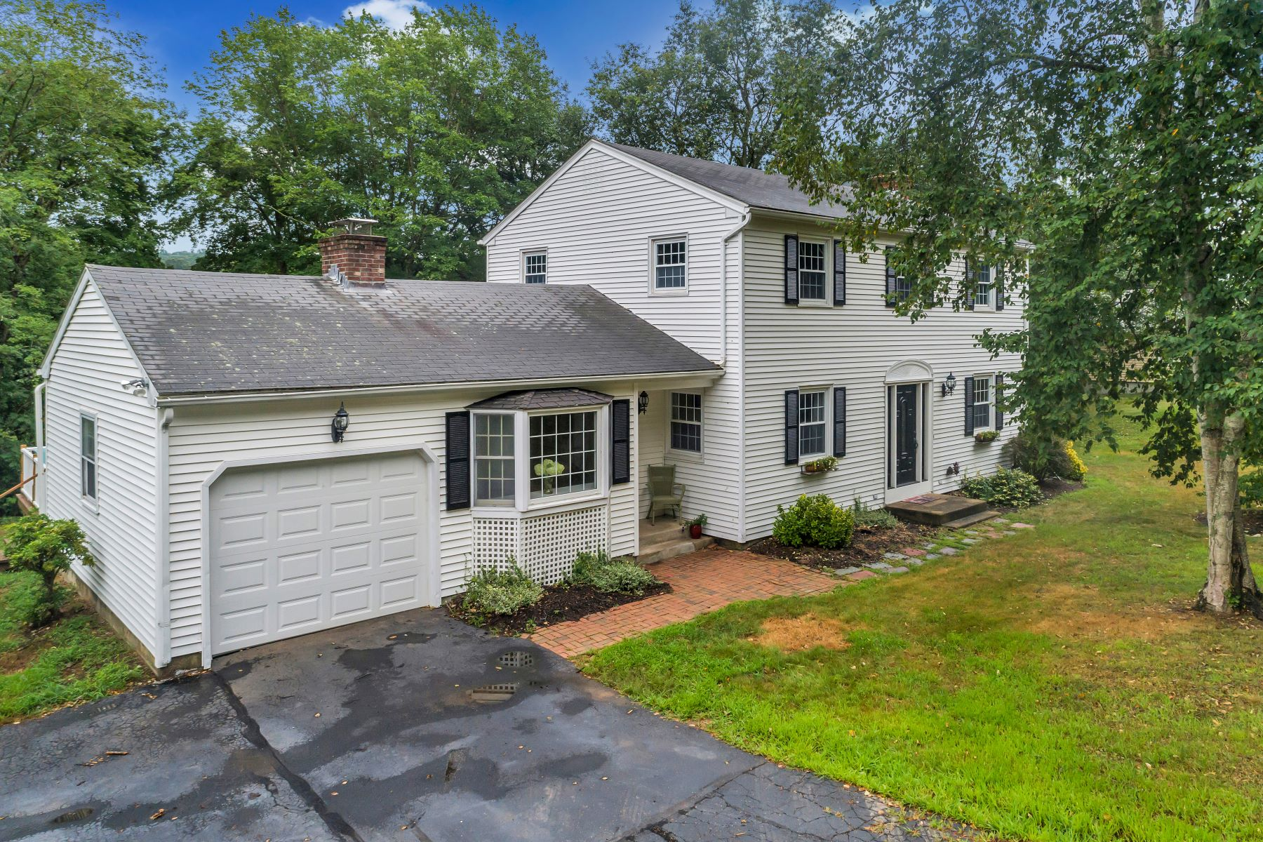 Single Family Homes for Sale at 23 Heritage Road East Lyme, Connecticut 06333 United States