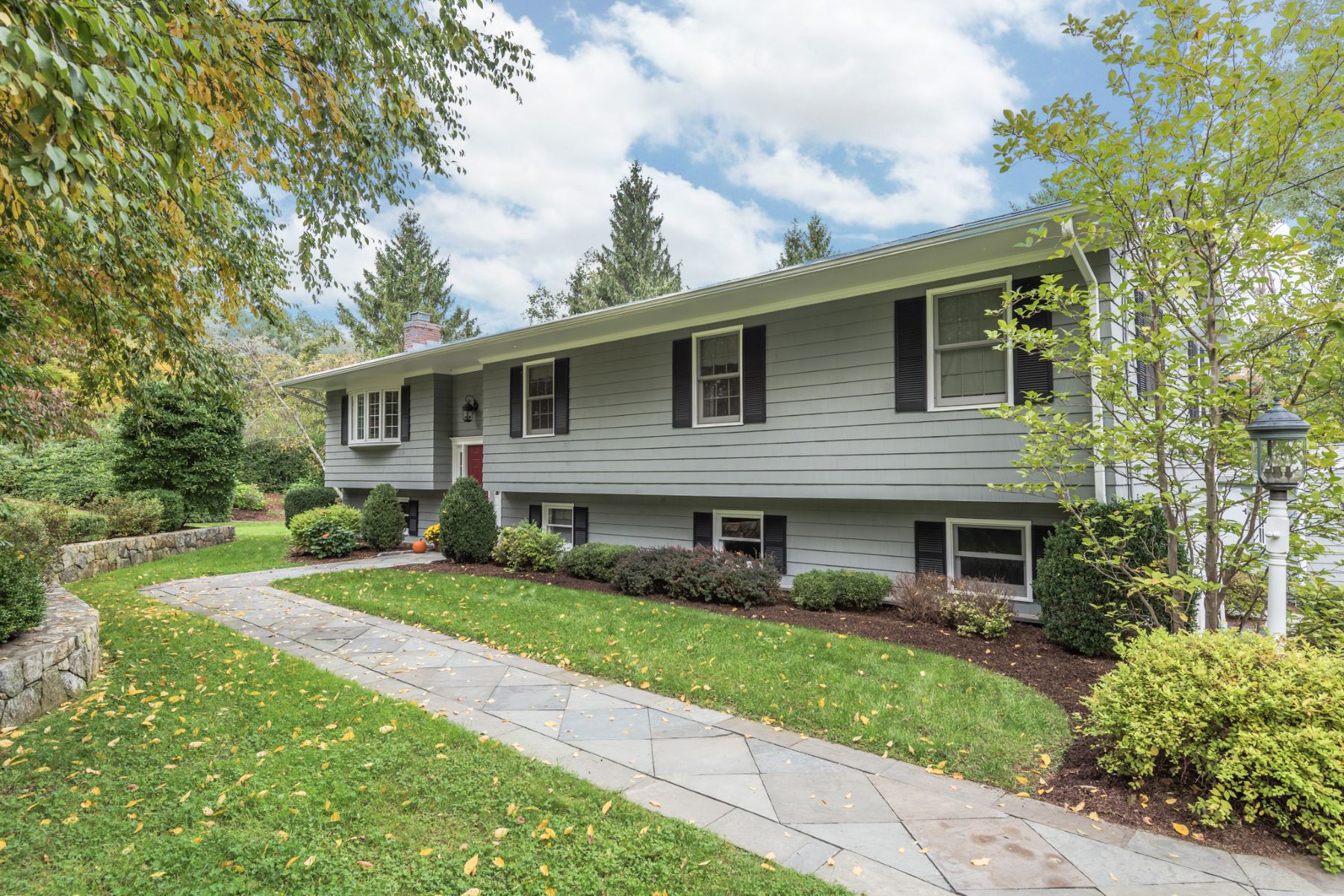 Single Family Home for Sale at Oversized And Customized Raised Ranch 27 Dorset Dr New Milford, Connecticut 06776 United States