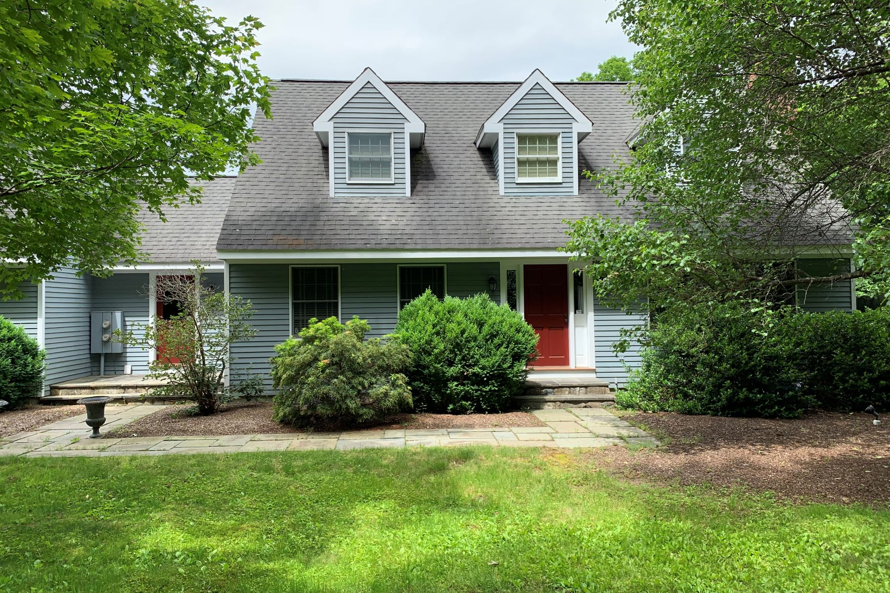 Single Family Homes for Sale at Beautiful Cape on 5 Acres 151 Minortown Road Woodbury, Connecticut 06798 United States