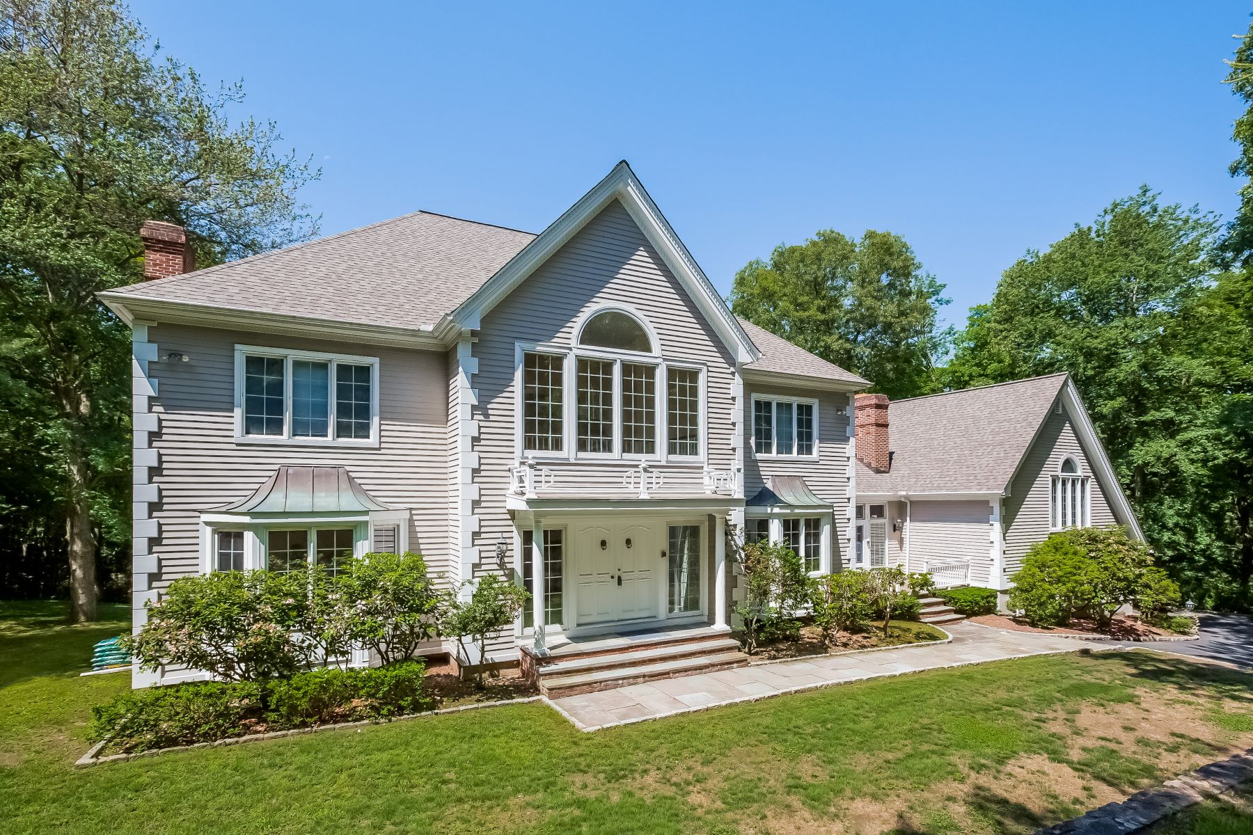 Single Family Homes for Sale at Refined Living 39 11 O Clock Road Weston, Connecticut 06883 United States