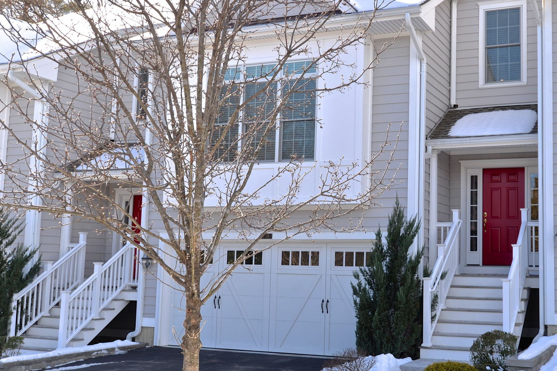 townhouses for Sale at Fabulous Townhome In Newbury Village 7 Still Water Circle 7, Brookfield, Connecticut 06804 United States