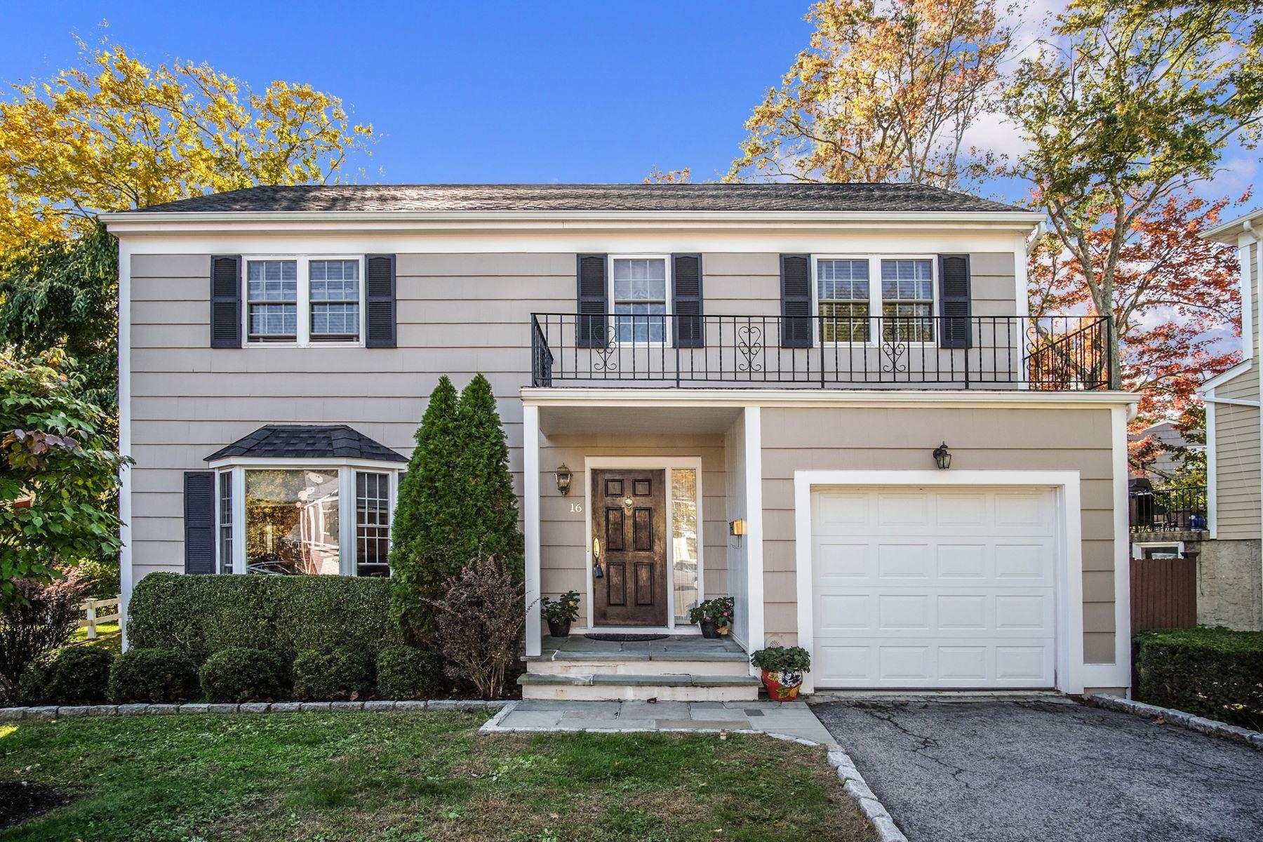 Single Family Homes por un Venta en 16 Harris Lane Harrison, Nueva York 10528 Estados Unidos