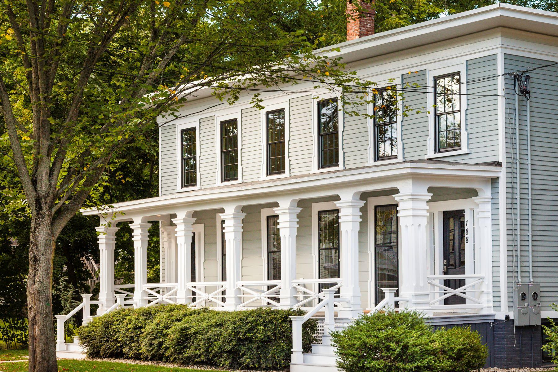 共管式独立产权公寓 为 销售 在 188 Whitfield Street 188 Whitfield Street 吉尔福德, 康涅狄格州 06437 美国