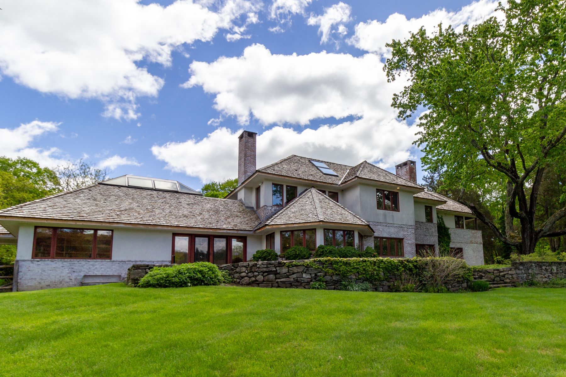 Single Family Homes للـ Sale في Exceptional, Remarkable Weston Estate 165 Old Redding Road, Weston, Connecticut 06883 United States