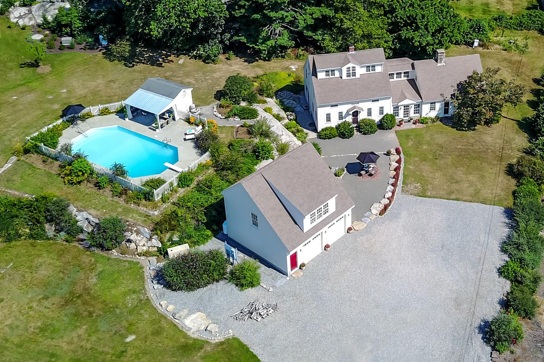 Eensgezinswoning voor Verkoop op Blending Old with New 500 Noank Road, Mystic, Connecticut 06355 Verenigde Staten