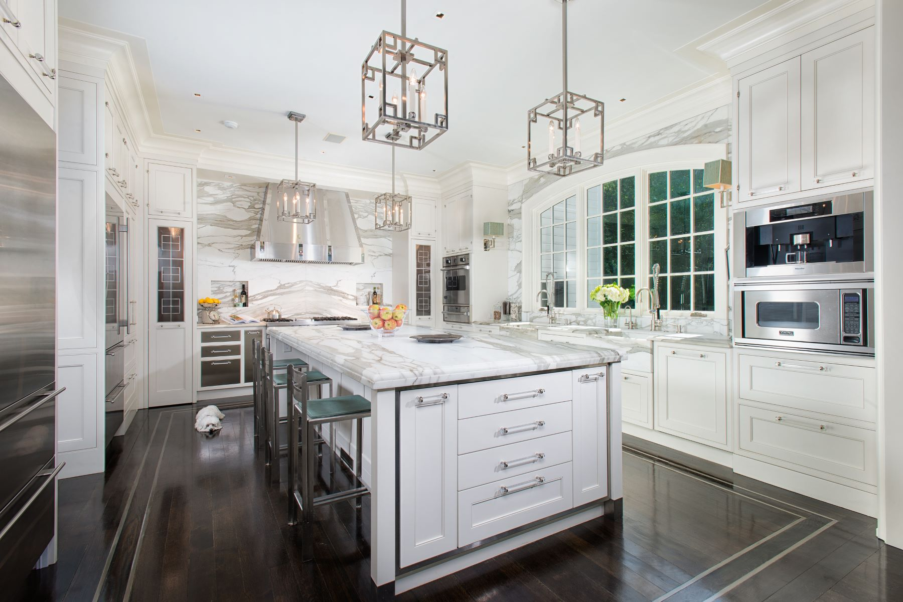 Additional photo for property listing at 33 Sunset Hill Road 33 Sunset Hill Road New Canaan, Connecticut 06840 United States