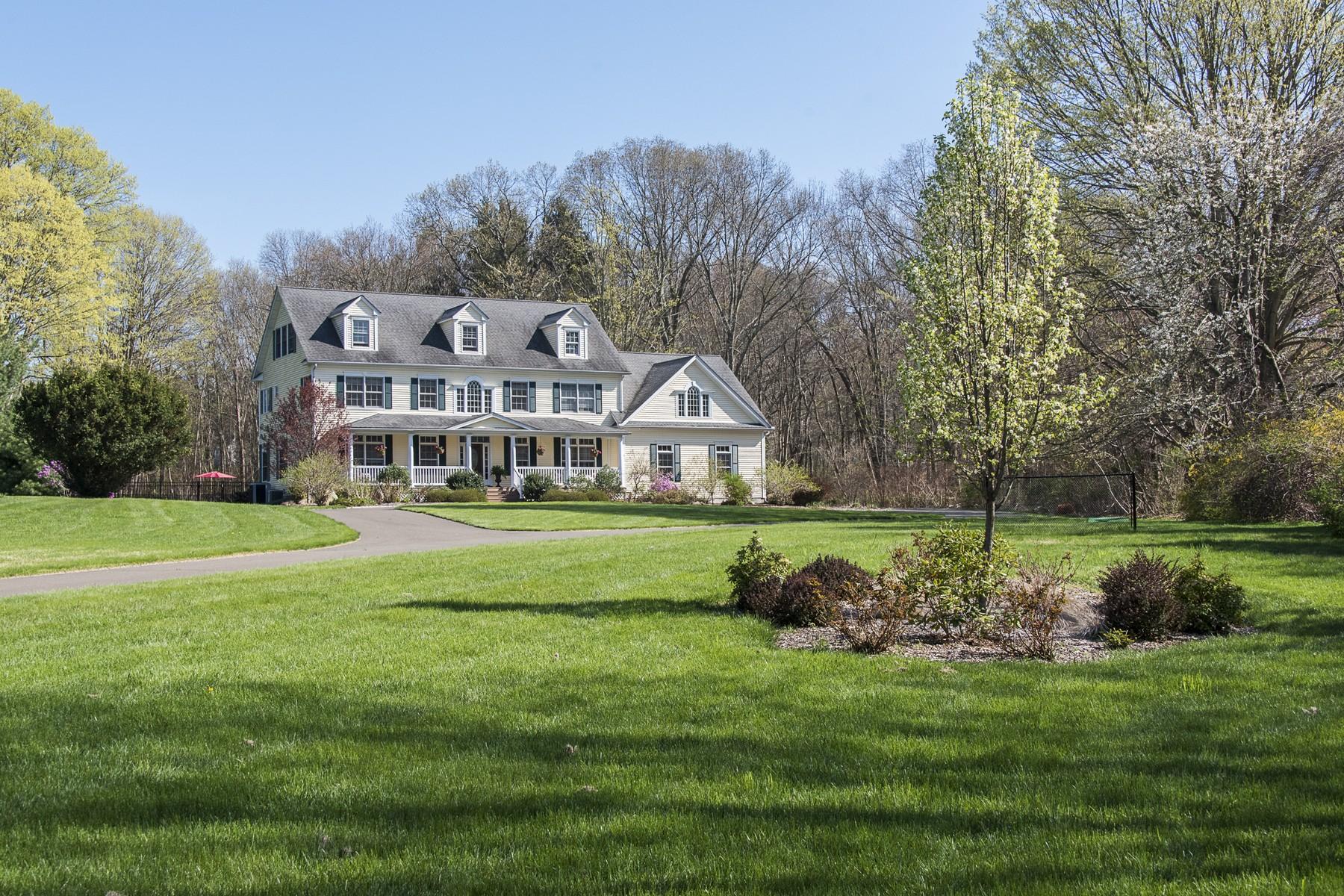 Villa per Vendita alle ore Stunning Georgian Colonial Close to Town Center 96 Scotland Road, Madison, Connecticut, 06443 Stati Uniti