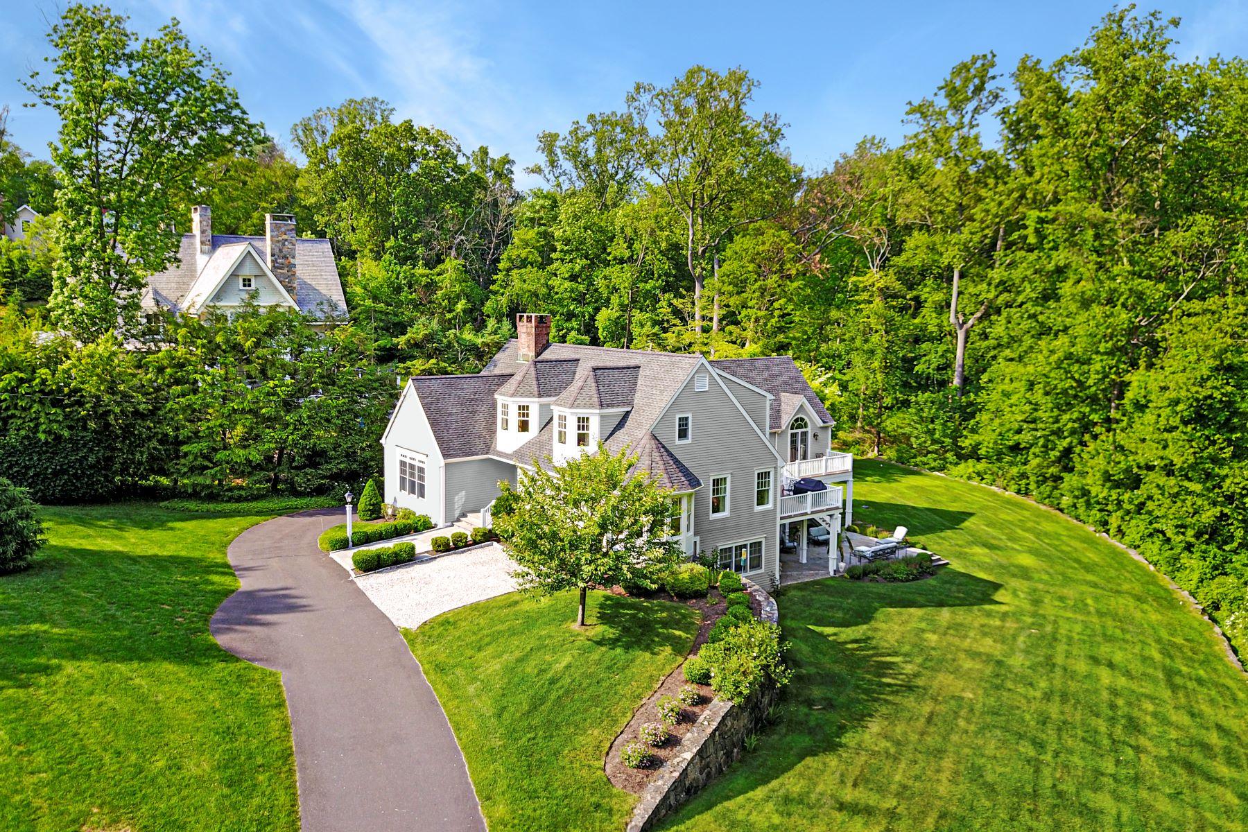 Single Family Homes per Vendita alle ore 130 Skyview Lane New Canaan, Connecticut 06840 Stati Uniti