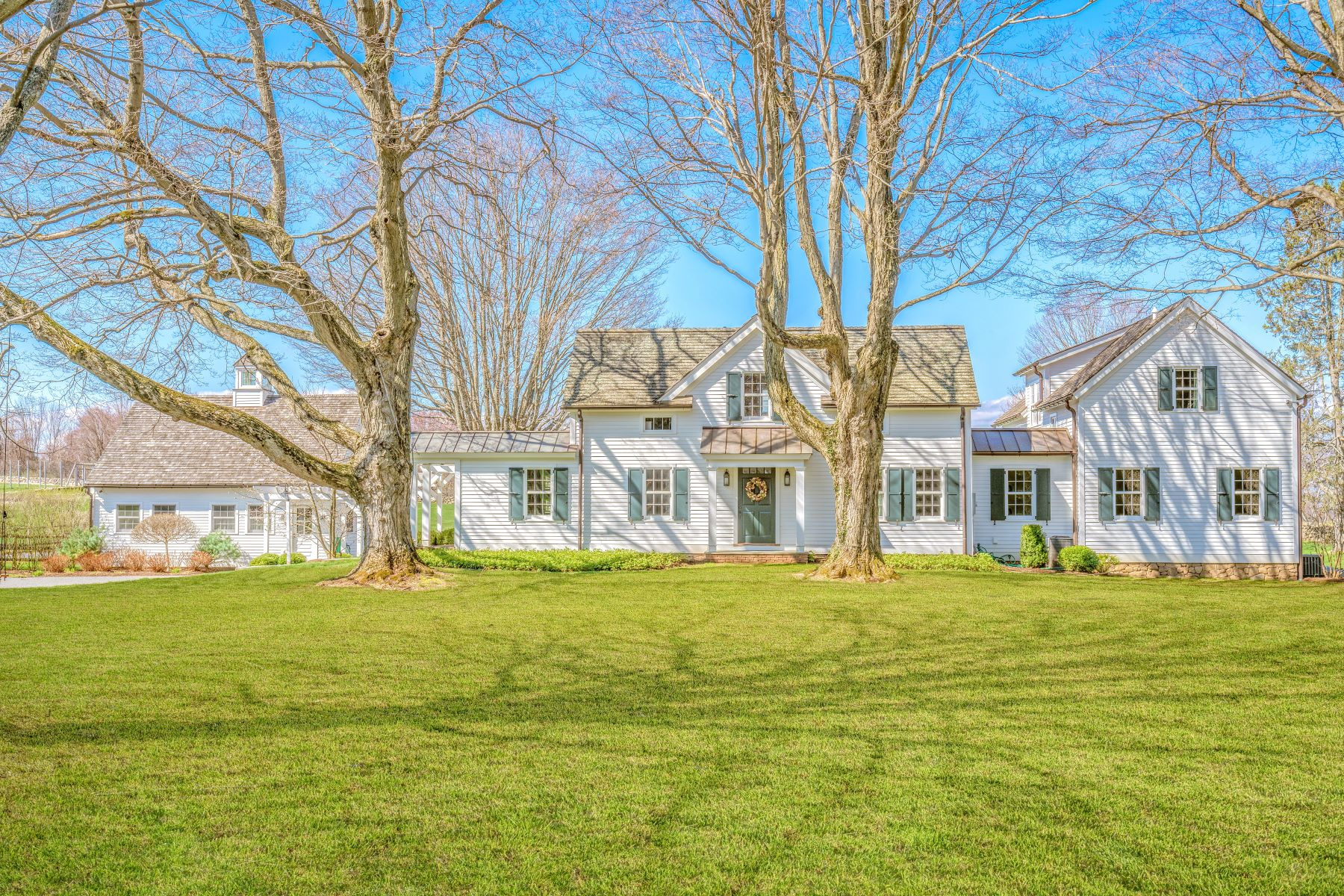 Single Family Homes for Sale at C.1872 O'Brien Homestead 238 Painter Hill Road Roxbury, Connecticut 06783 United States