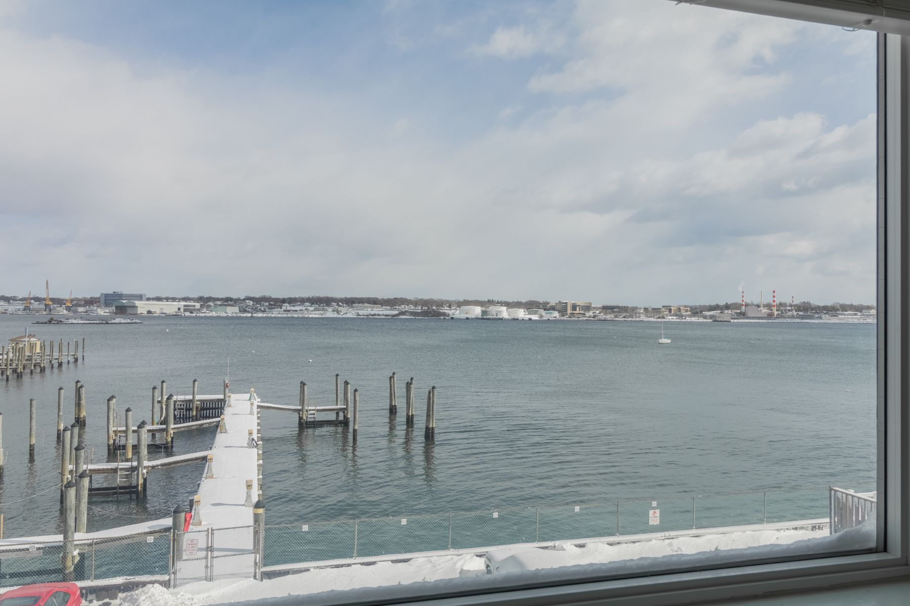 pour l Vente à Waterfront Condo With Amazing Views 292 Pequot Avenue 2D New London, Connecticut 06320 États-Unis