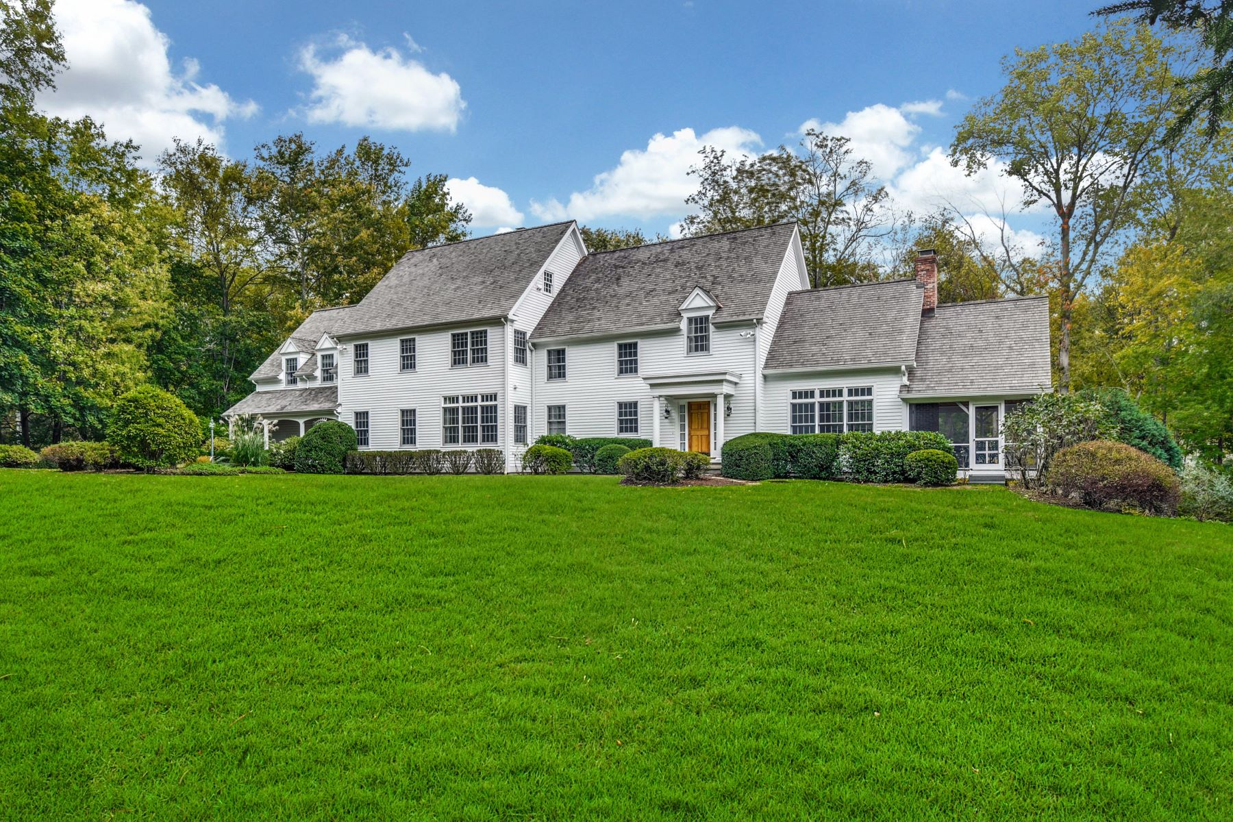 Single Family Homes for Sale at 104 Christie Hill Road Darien, Connecticut 06820 United States