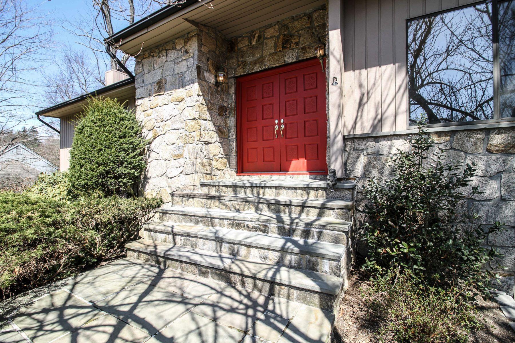 Single Family Homes för Försäljning vid 23 Pheasant Run Road 23 Pheasant Run Rd, Pleasantville, New York 10570 Förenta staterna