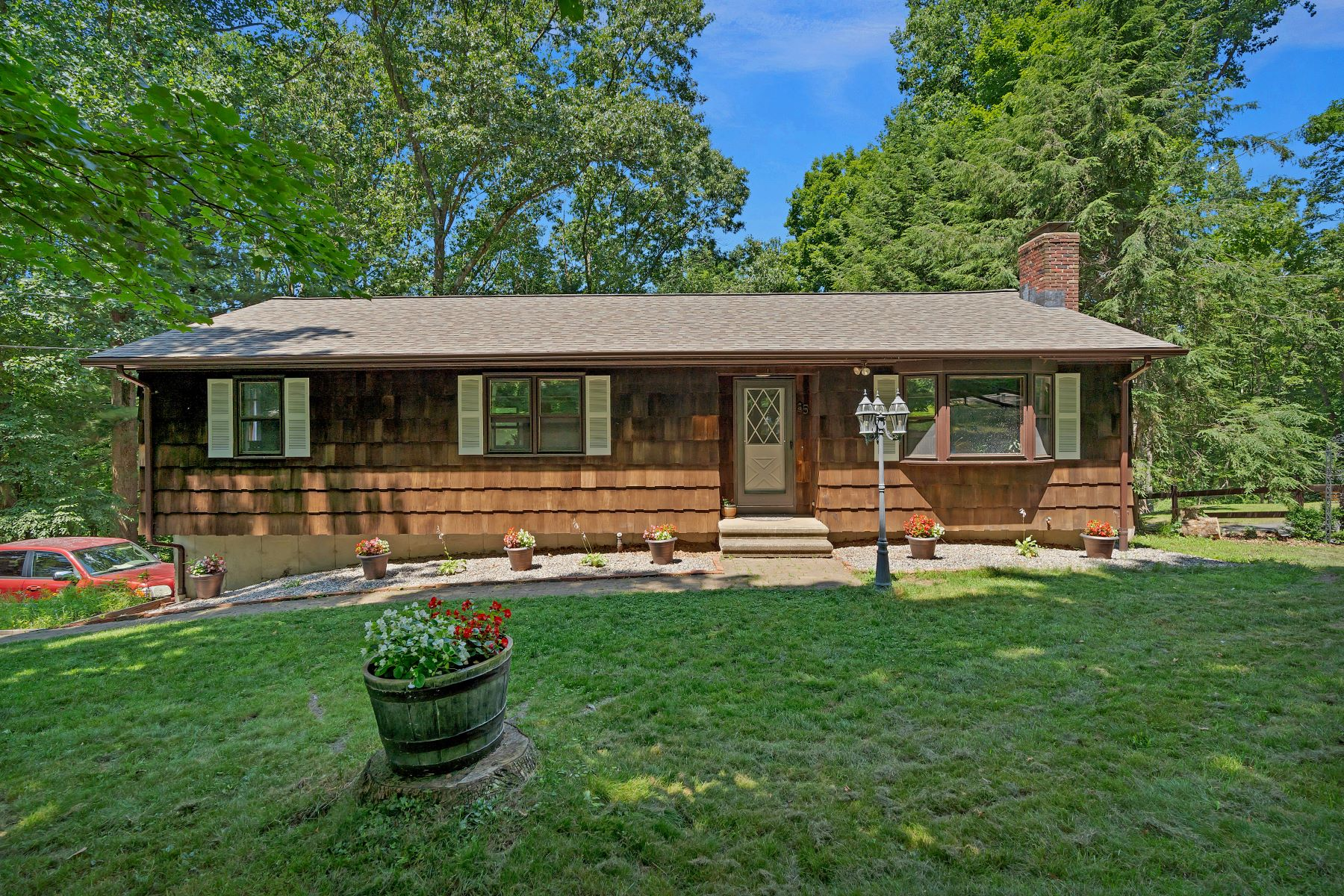 Single Family Homes for Sale at 85 West Road 85 West Rd, Beacon Falls, Connecticut 06403 United States