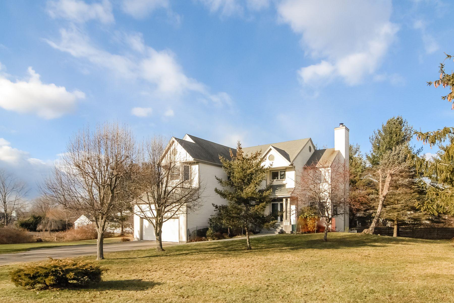 Villa per Vendita alle ore Beautiful Contemporary Colonial Style Home 91 Stallion Trail Brewster, New York, 10509 Stati Uniti